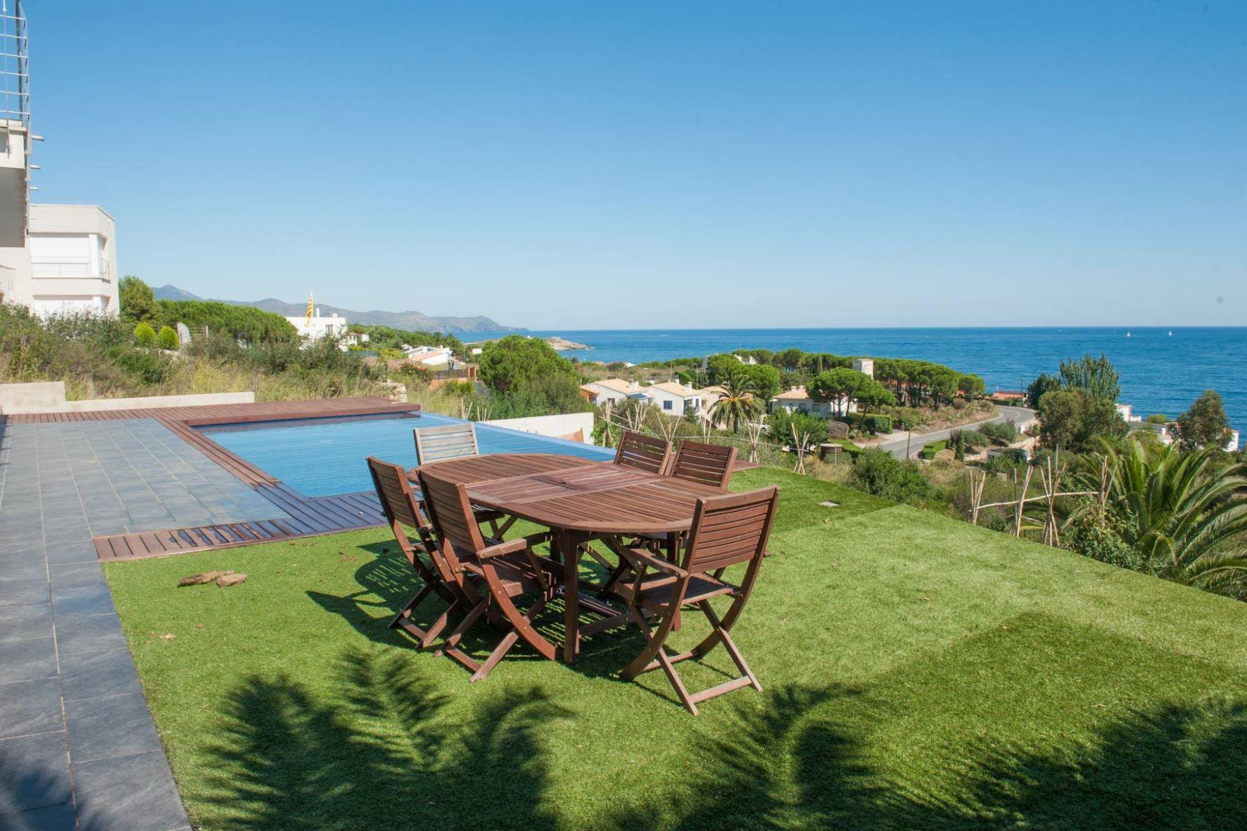 独户住宅 为 销售 在 Outstanding Villa with sea views and close to a marina 埃尔伯尔特德拉萨尔瓦, 科斯塔布拉瓦, 17489 西班牙