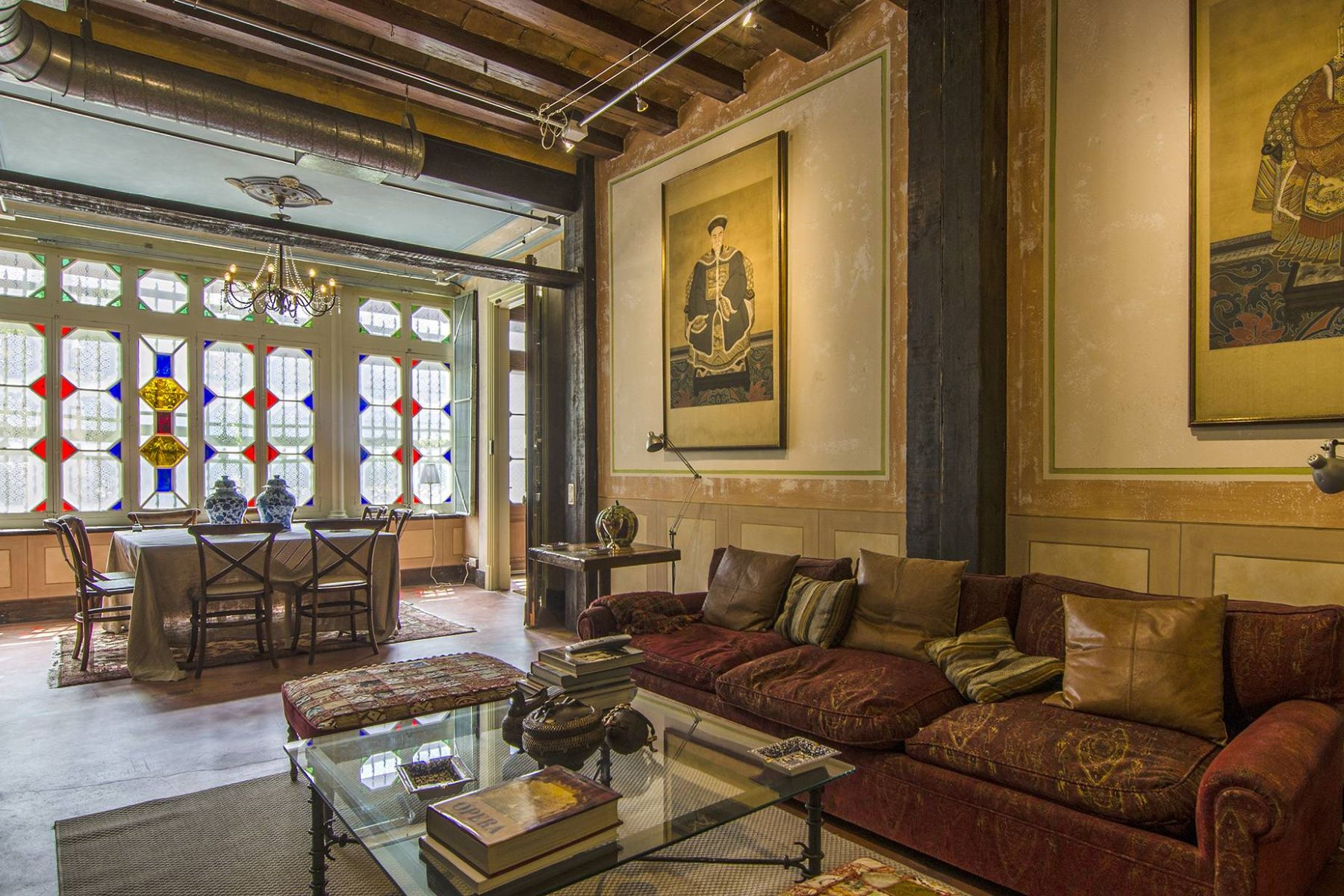 Villa per Vendita alle ore Luxurious Chalet in the Center of Barcelona Barcelona City, Barcellona, 08007 Spagna