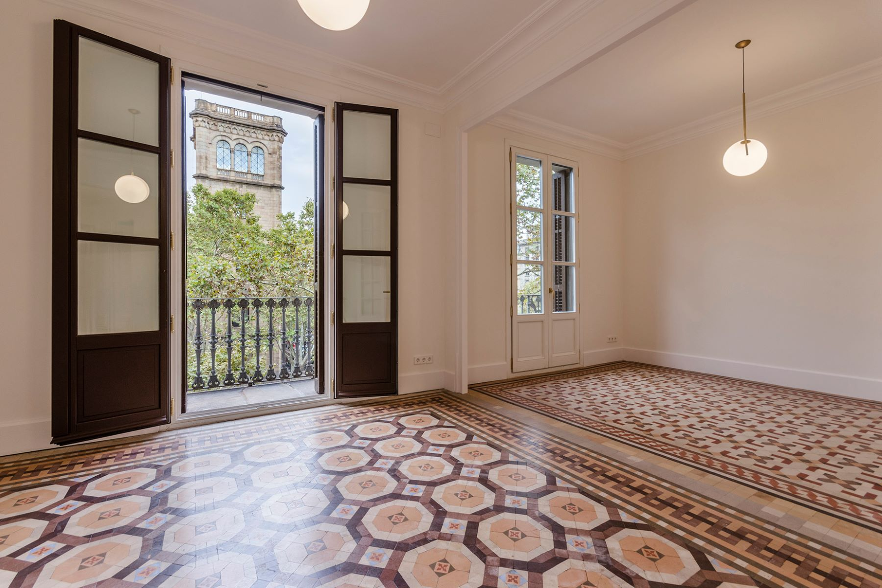 Apartment for Sale at Completely renovated apartment in the Right Eixample Barcelona City, Barcelona, 08007 Spain