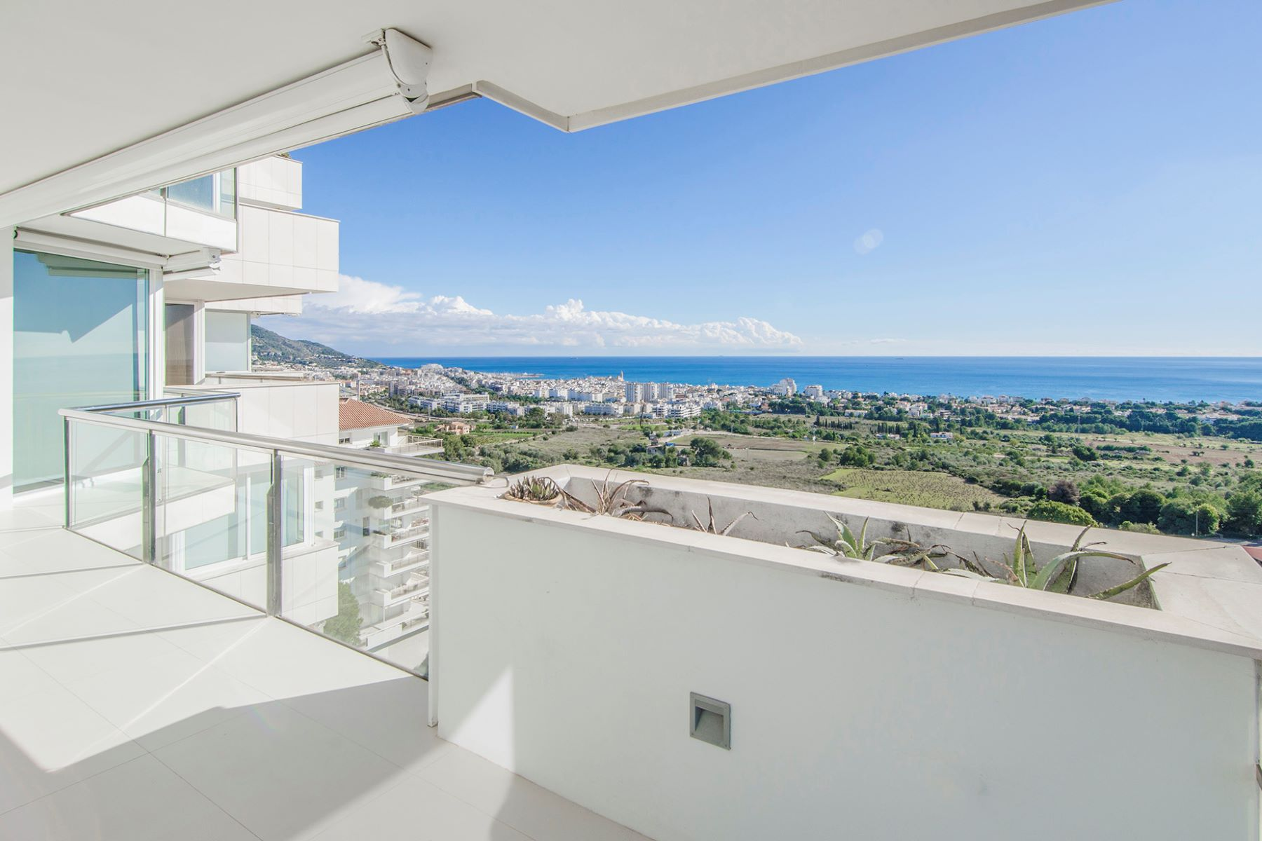 Appartement pour l Vente à Stunning Apartment with Views to Sitges Sitges, Barcelona, 08870 Espagne