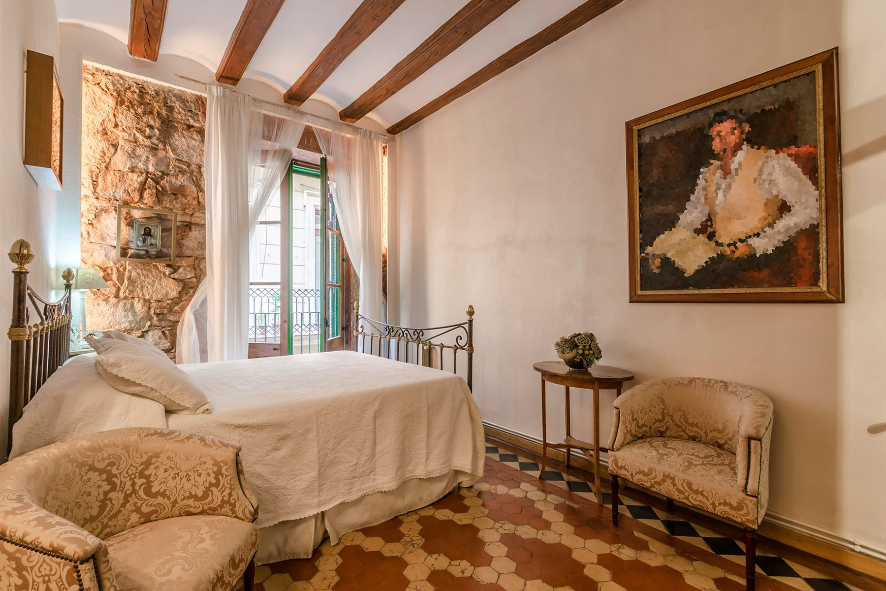 Apartment for Sale at Apartment with authentic character in the Gothic Quarter Barcelona City, Barcelona, 08002 Spain