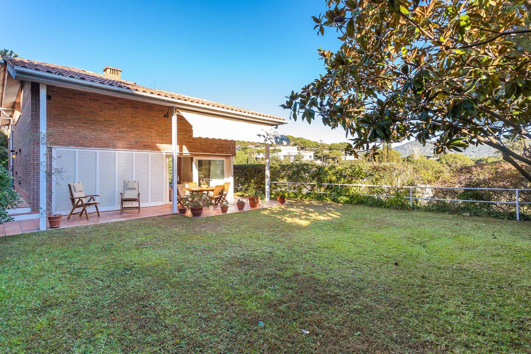 独户住宅 为 销售 在 Charming residential property near Barcelona 阿莱利亚, 巴塞罗那, 08328 西班牙