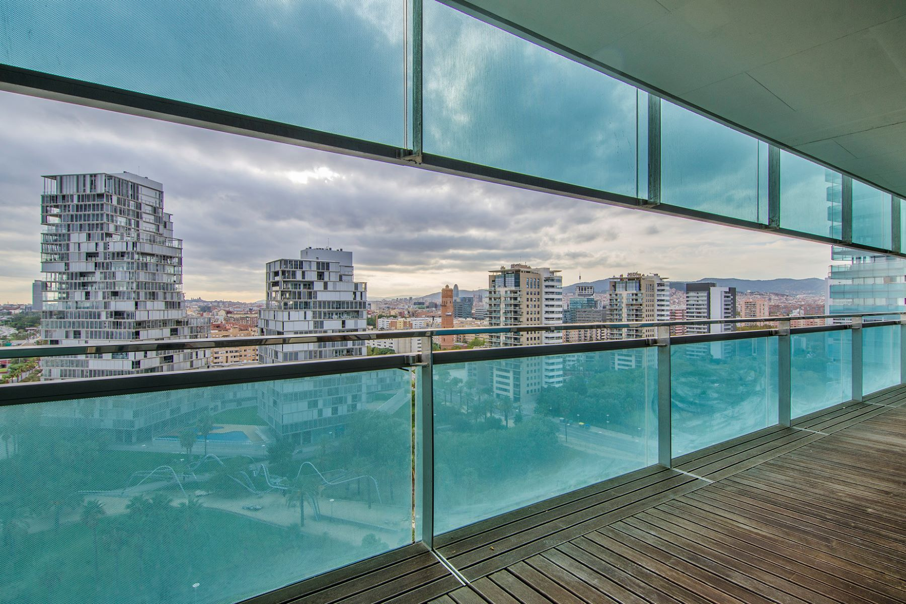 Appartement pour l Vente à Magnificent Apartment with Spectacular Views in Diagonal Mar, Barcelona Barcelona City, Barcelona, 08019 Espagne