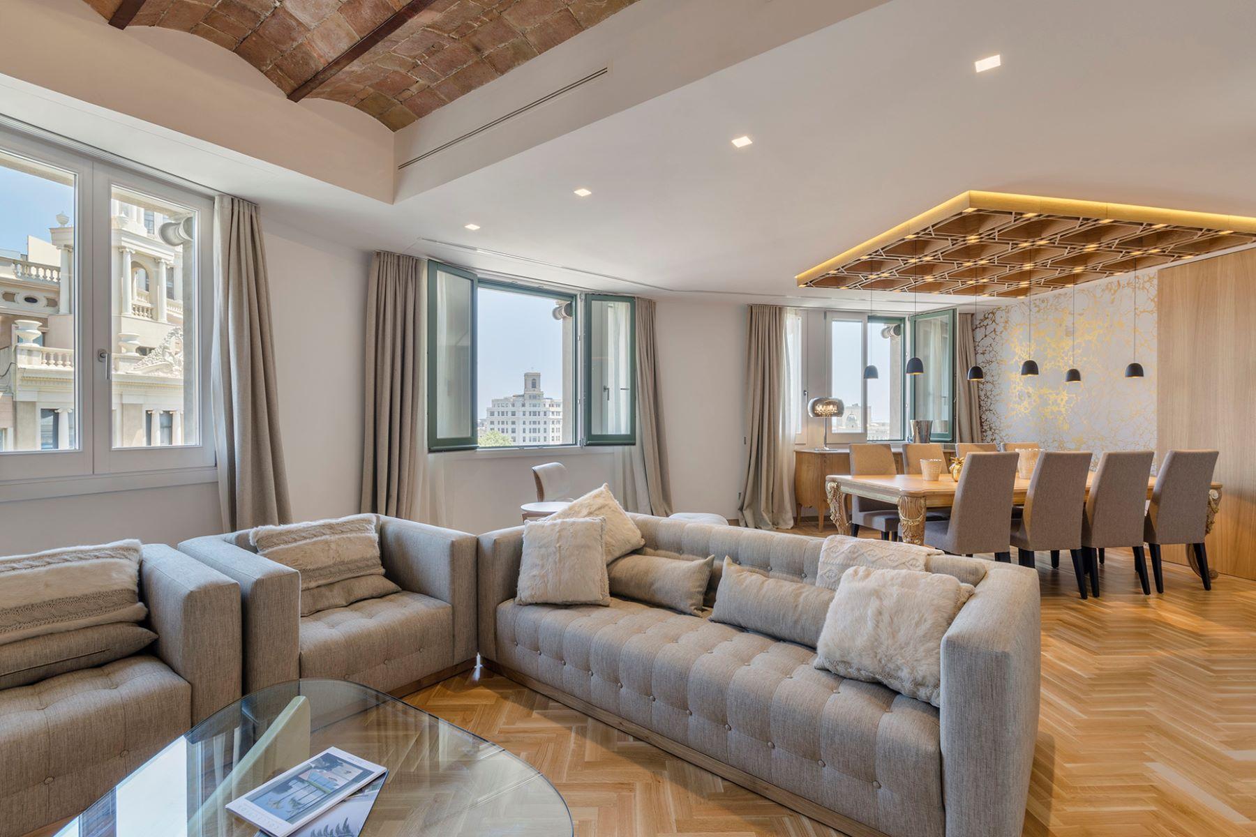 公寓 为 销售 在 Luxury apartment with unique views in the heart of Barcelona 巴萨罗纳城, 巴塞罗那, 08007 西班牙