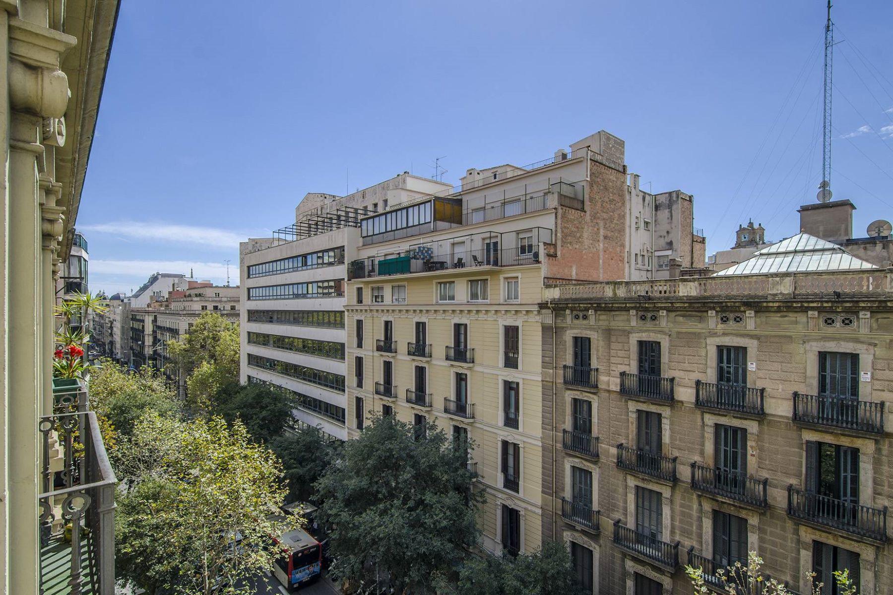 公寓 為 出售 在 Penthouse to Reform On The Pau Claris Street With a Return of 3,8% Barcelona City, Barcelona, 08007 西班牙