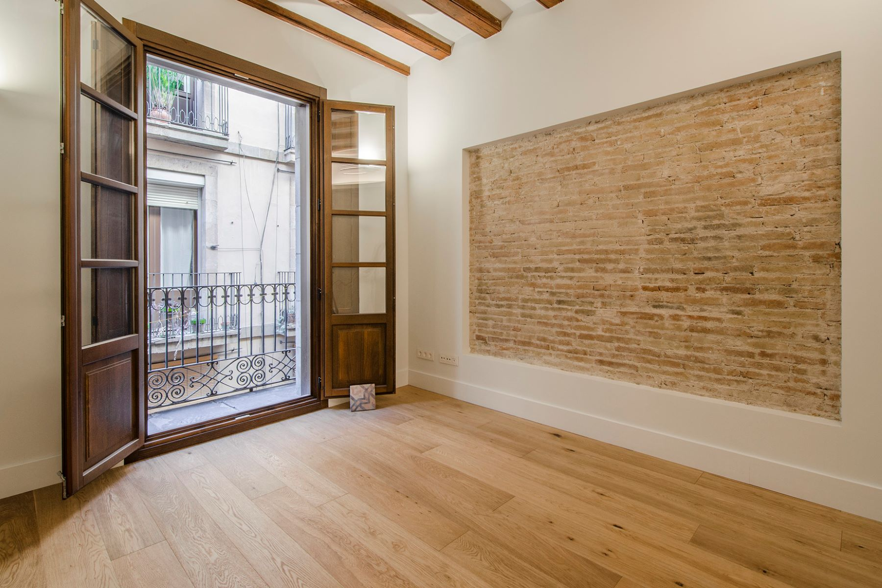 Apartment for Sale at One Bedroom Brand New Penthouse with exclusive terrace Barcelona City, Barcelona, 08002 Spain