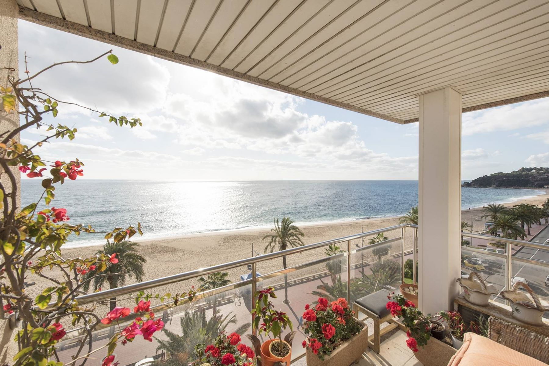 Appartement pour l Vente à Opportunity to buy an apartment on the seafront Lloret De Mar, Costa Brava, 17310 Espagne