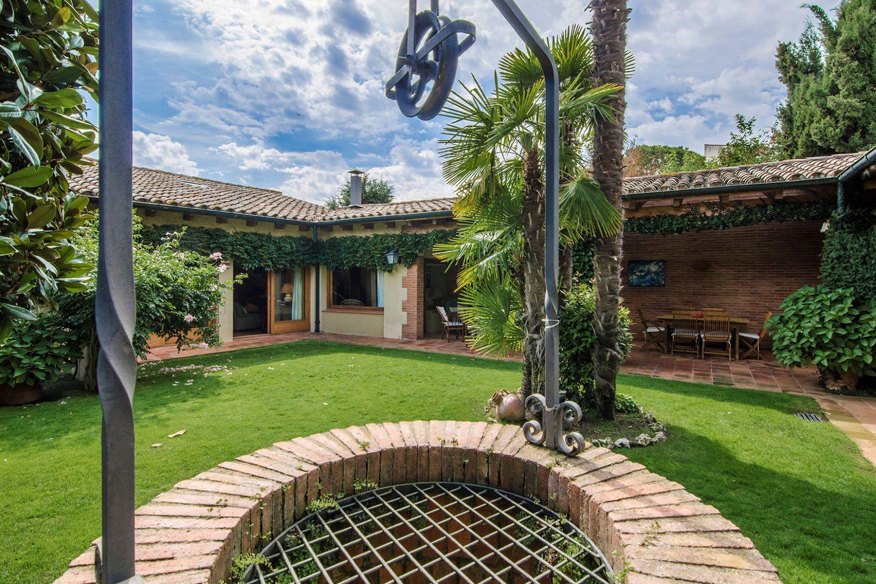 Maison unifamiliale pour l Vente à Genuine town house in San Vicente de Montalt, Maresme Sant Andreu De Llavaneres, Barcelona, 08392 Espagne