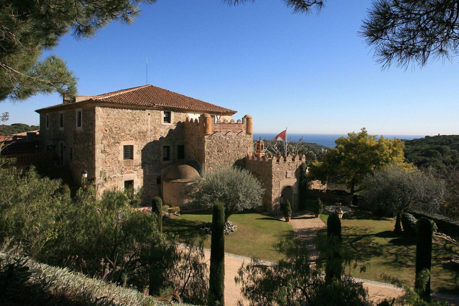 Nhà ở một gia đình vì Bán tại Gran Hotel or the Private Residence Near Barcelona Sant Andreu De Llavaneres, Barcelona, 08392 Tây Ban Nha