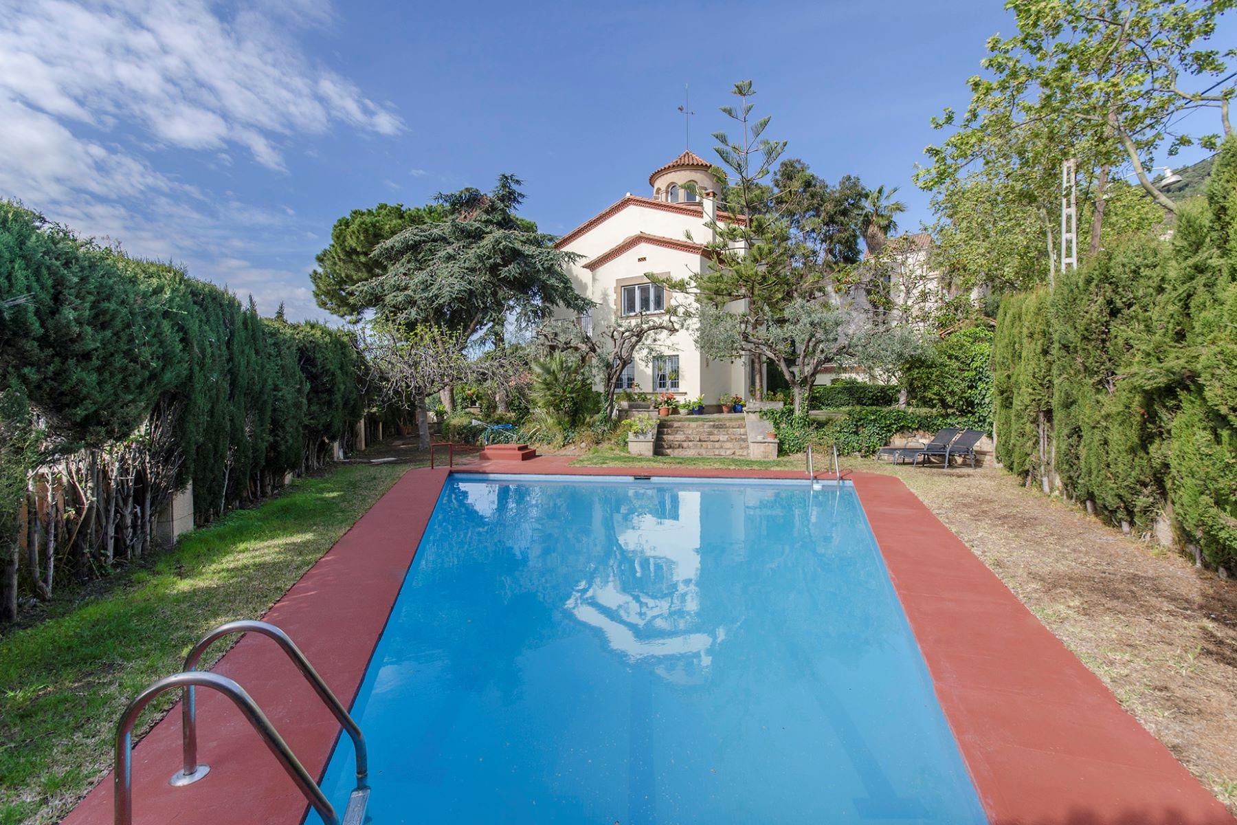 Single Family Home for Sale at Fantastic detached house with pool in Avinguda Tibidabo Barcelona City, Barcelona 08034 Spain