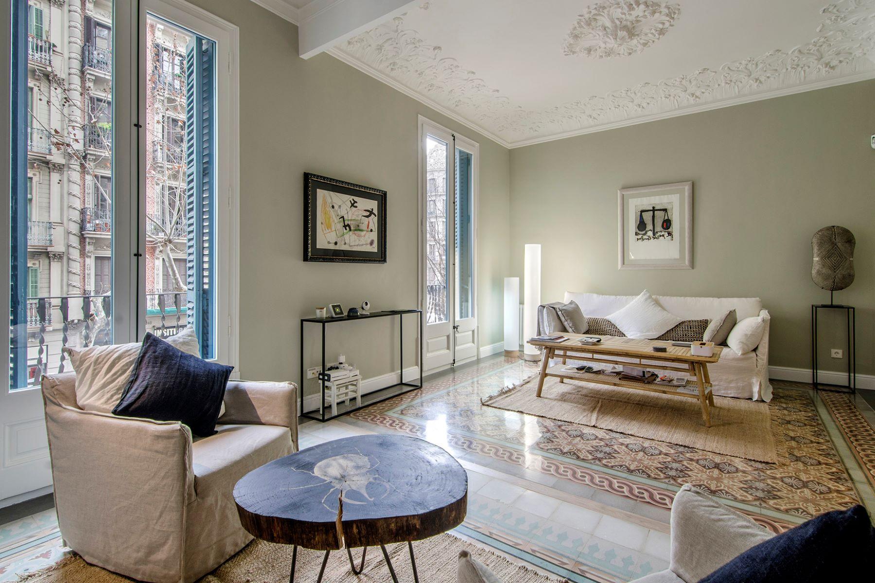 Apartamento para Venda às Chic Apartment Next to Enric Granados Barcelona City, Barcelona, 08007 Espanha