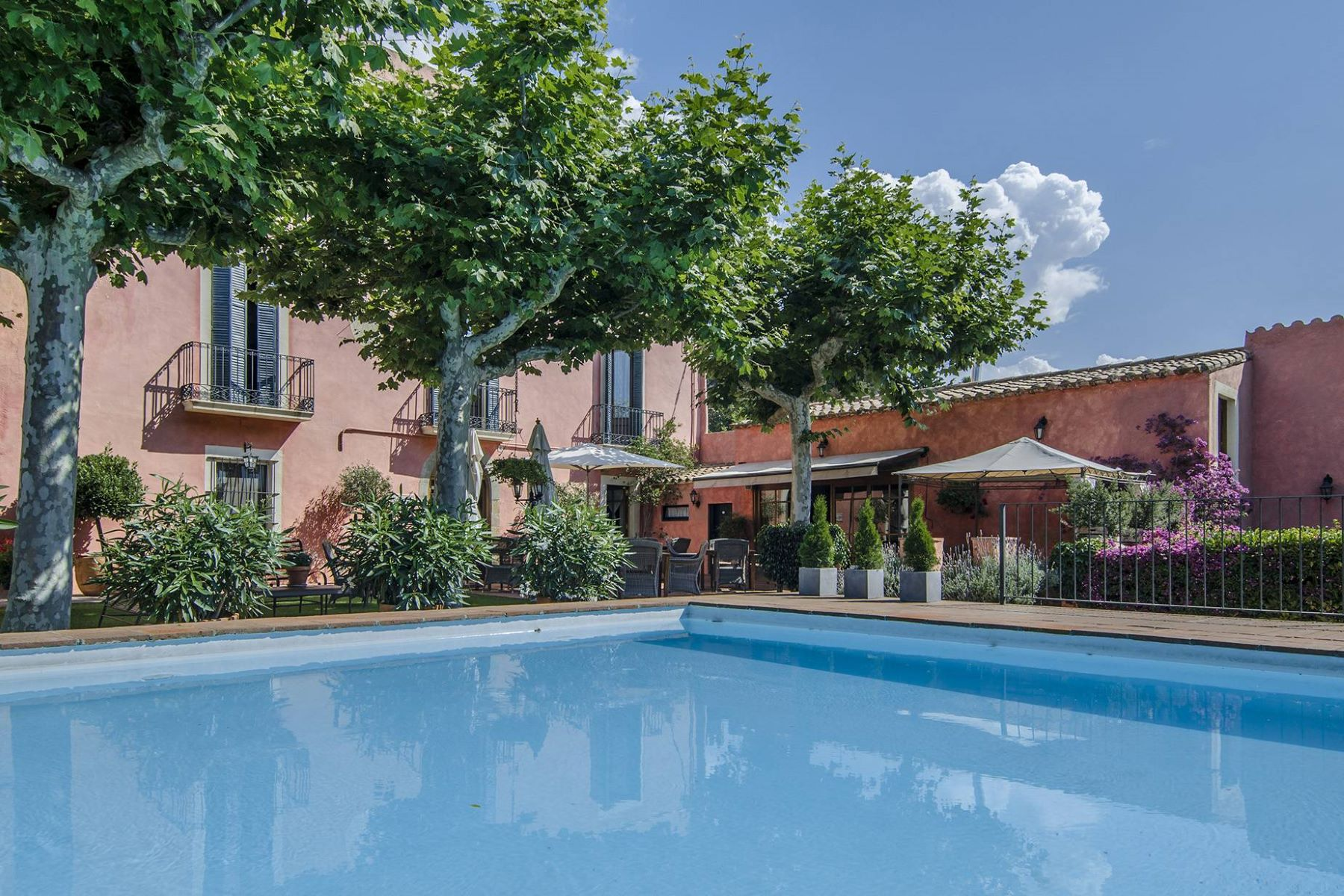 独户住宅 为 销售 在 Hotel and Residence in the Center of Cabrils 卡弗里尔斯, 巴塞罗那, 08348 西班牙