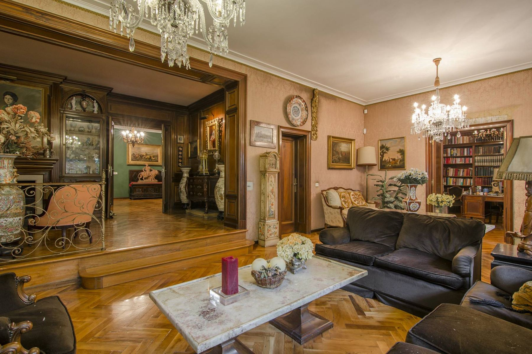 公寓 為 出售 在 Immense Classic Style Apartment in Turo Park Barcelona City, Barcelona, 08034 西班牙