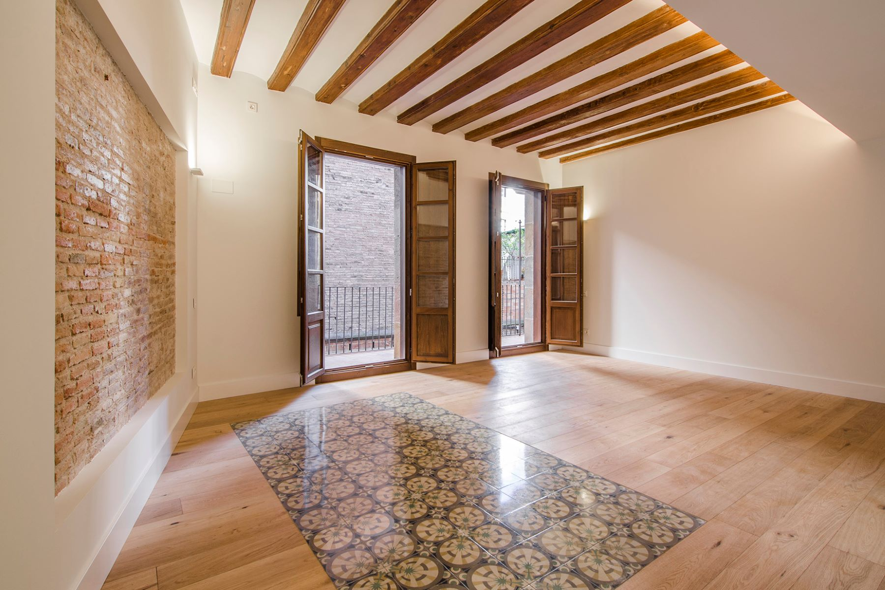 Appartement pour l Vente à Penthouse Duplex with 3 Bedrooms with exclusive terrace Barcelona City, Barcelona, 08002 Espagne