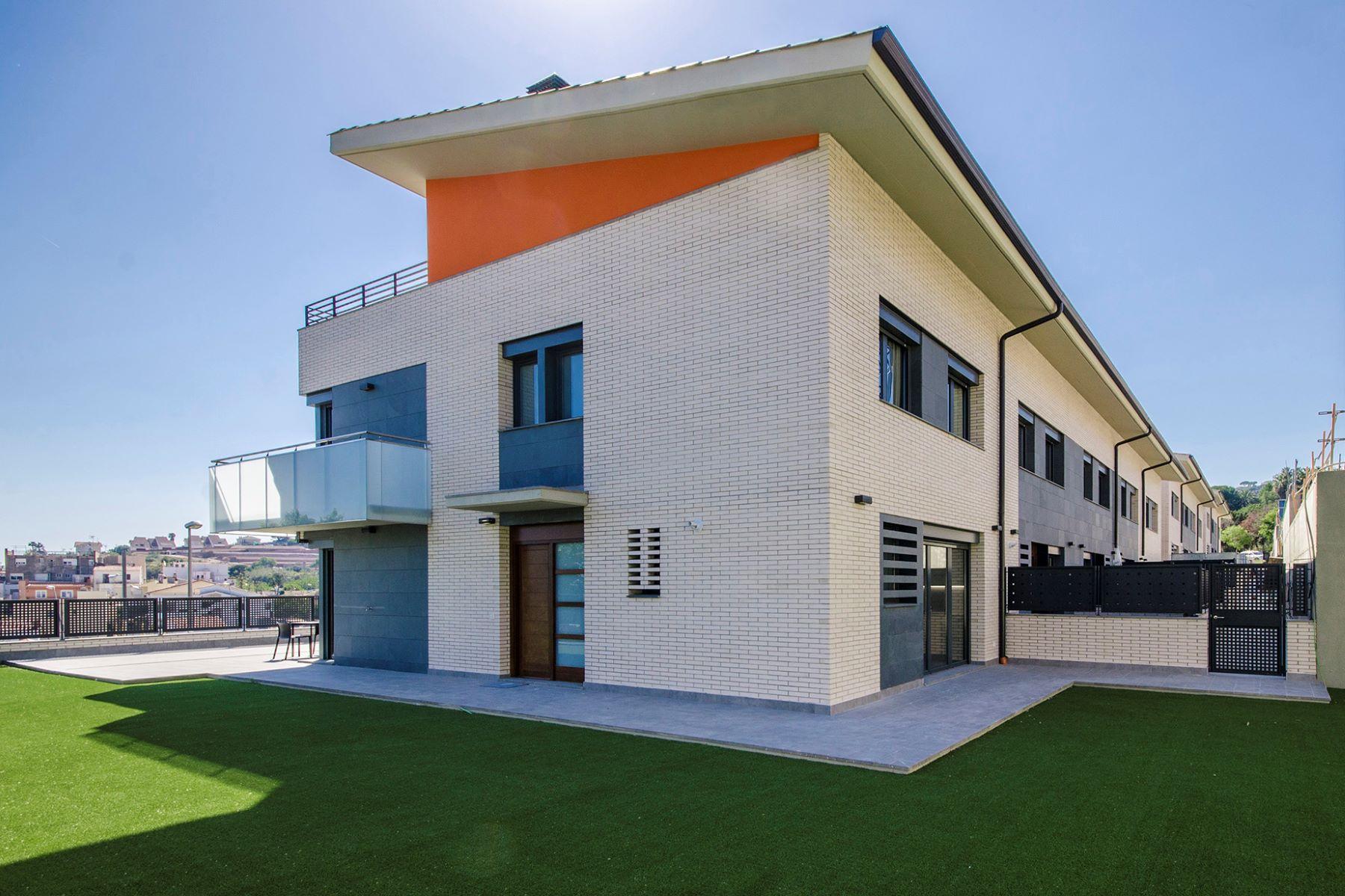 独户住宅 为 销售 在 New development in Teià Teia, 巴塞罗那, 08329 西班牙