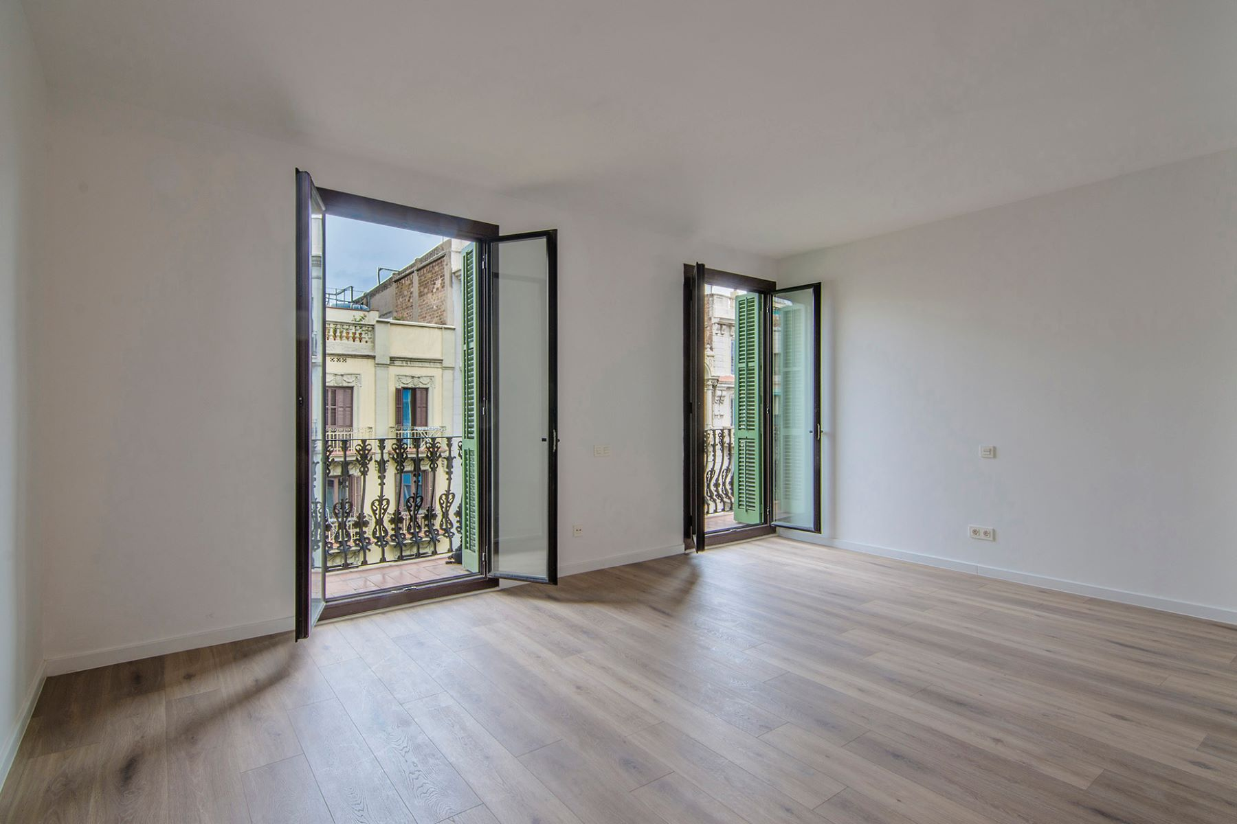 Appartement pour l Vente à Apartment to move to in the left Side of Eixample Barcelona City, Barcelona, 08007 Espagne