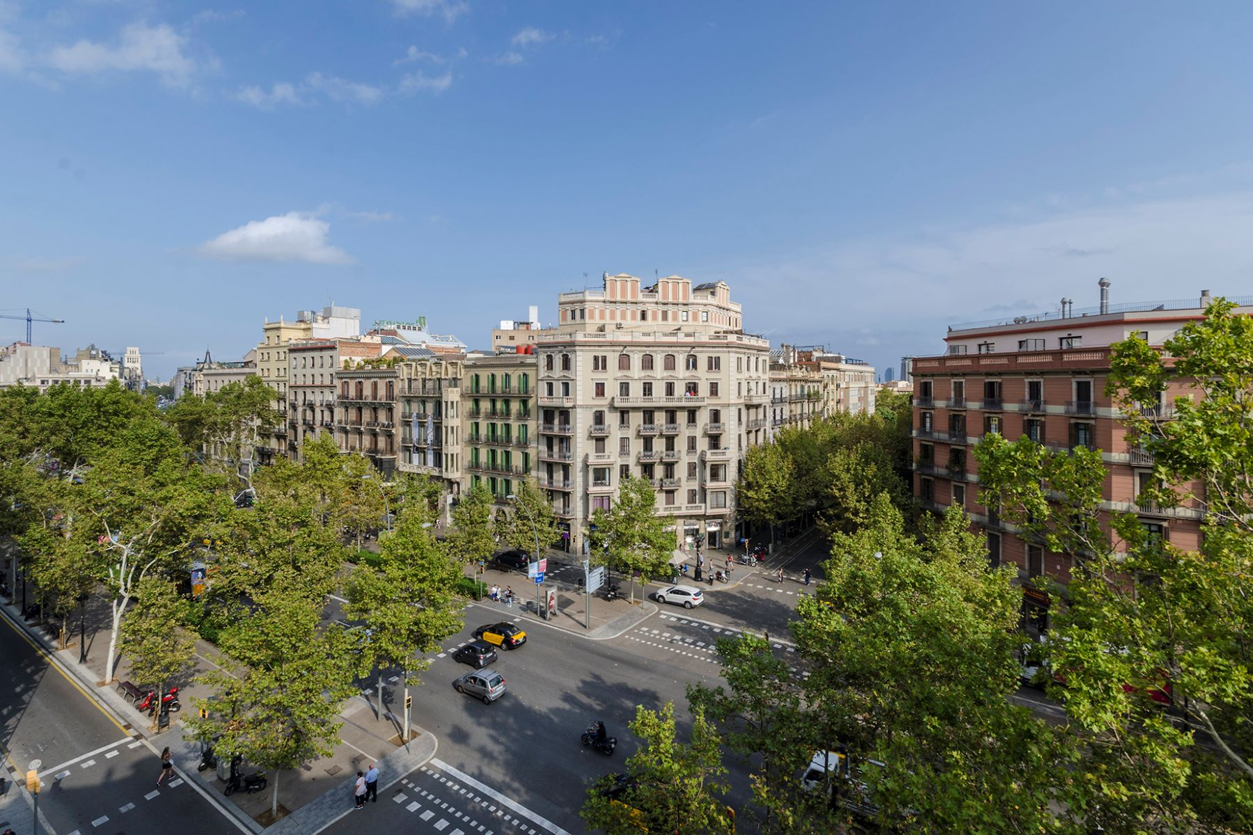 Apartment for Sale at Renovated apartment on the top floor in Eixample Barcelona City, Barcelona, 08007 Spain