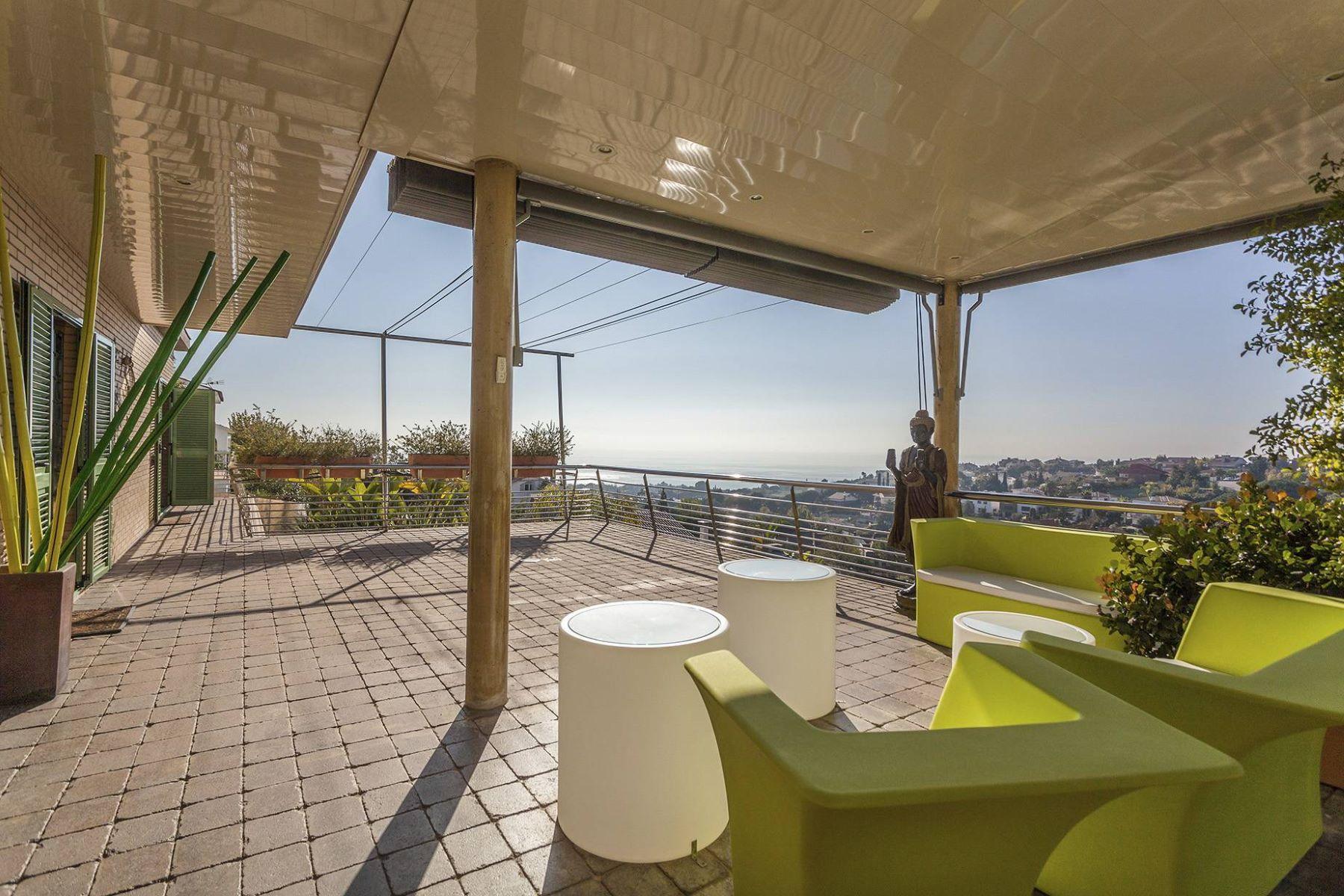 独户住宅 为 销售 在 Spacious house in excellent condition with sea views Teia, 巴塞罗那, 08329 西班牙