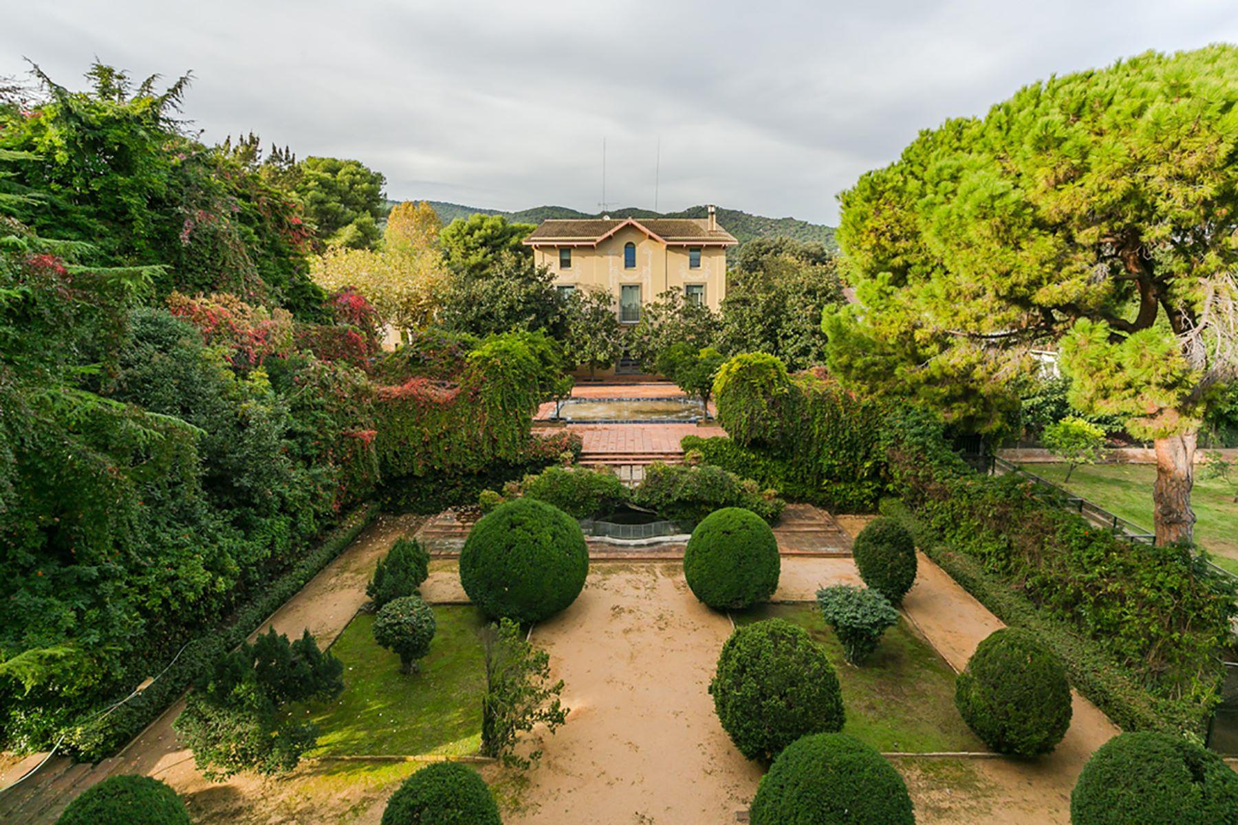 Maison unifamiliale pour l Vente à Luxury Chateu on 3.6 Hectares Just Minutes from Barcelona Vilassar De Mar, Barcelona, 08340 Espagne