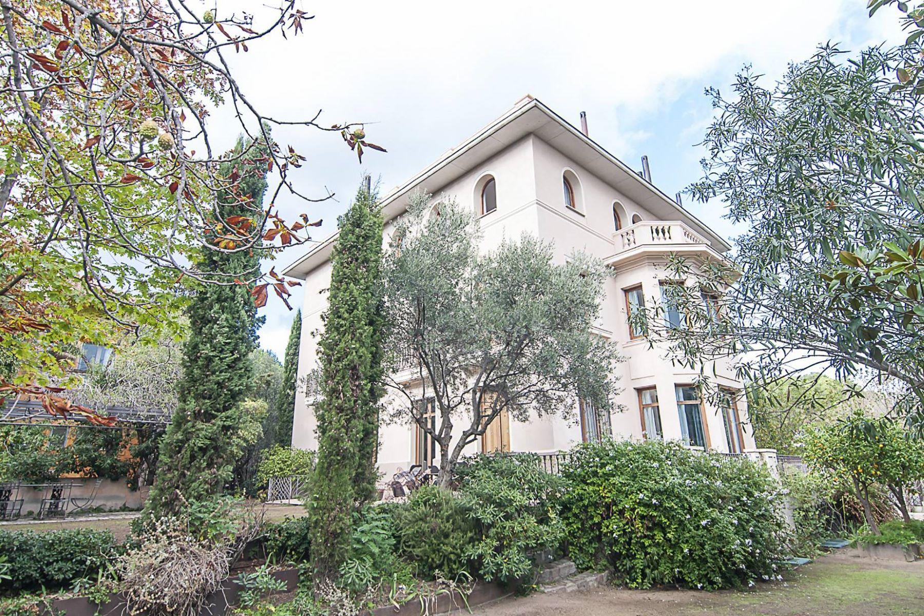 Einfamilienhaus für Verkauf beim A Stately Villa with the Guest House in a Unique Location of Pedralbes Barcelona City, Barcelona, 08034 Spanien