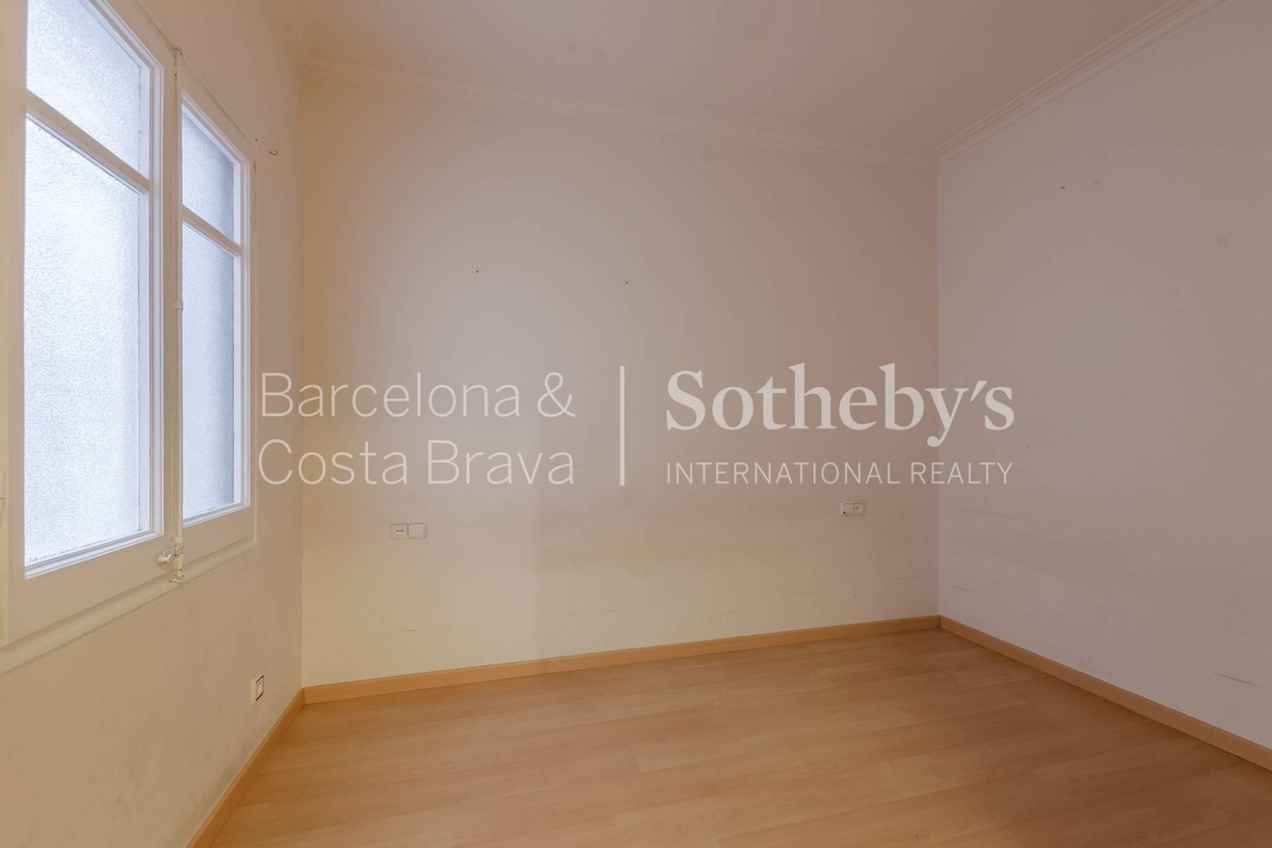 Additional photo for property listing at 5-bedroom apartment at Eixample district  Barcelona City, Barcelona 08007 Spain
