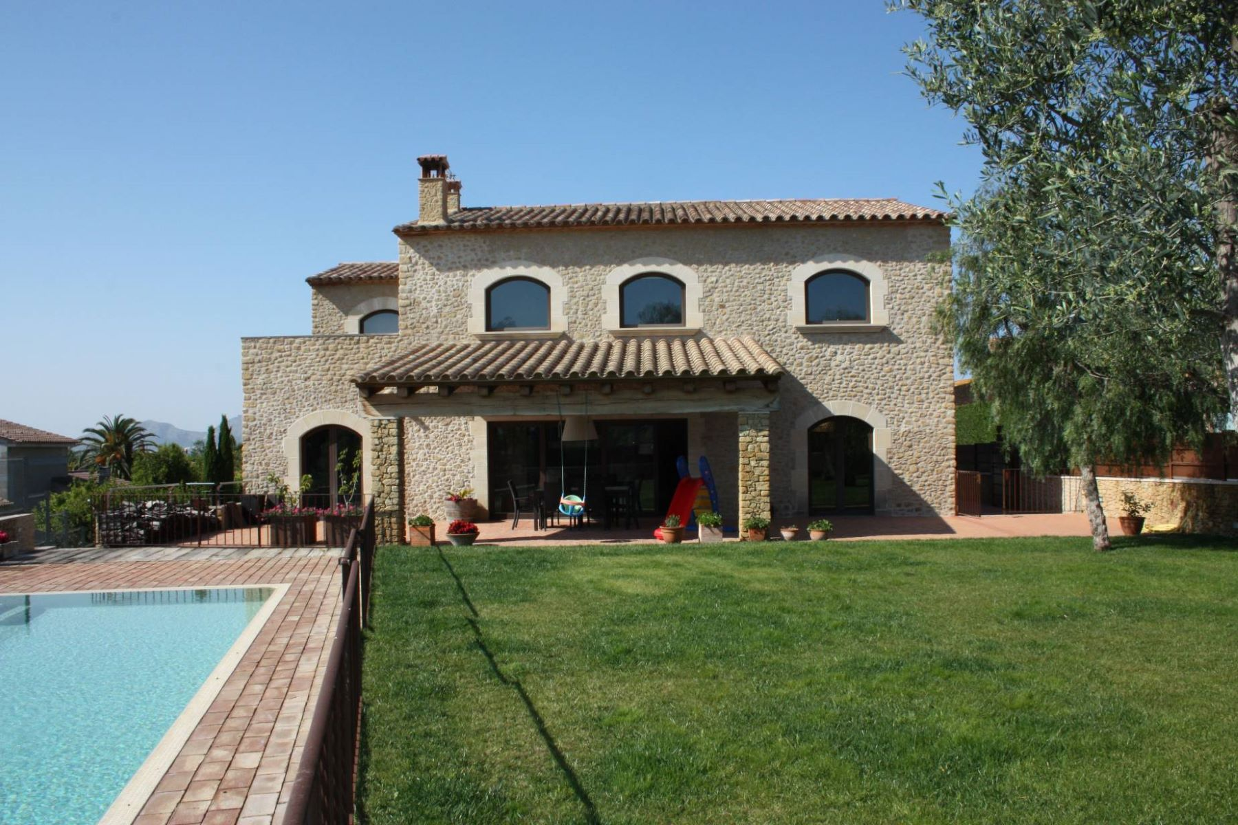 Single Family Home for Sale at Cottage charming Other Spain, Other Areas In Spain, 17001 Spain