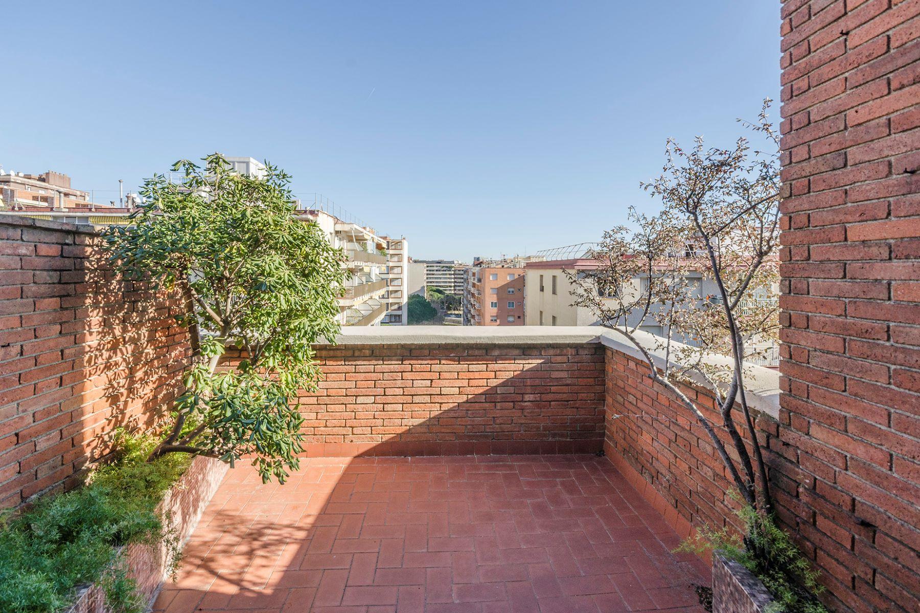 公寓 为 销售 在 Duplex penthouse to be reformed in Capitán Arenas street 巴萨罗纳城, 巴塞罗那, 08034 西班牙