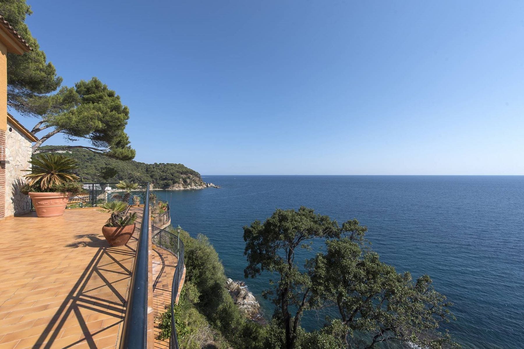 Single Family Home for Sale at Villa in front of the sea in an extraordinary location to renovate Lloret De Mar, Costa Brava, 17310 Spain