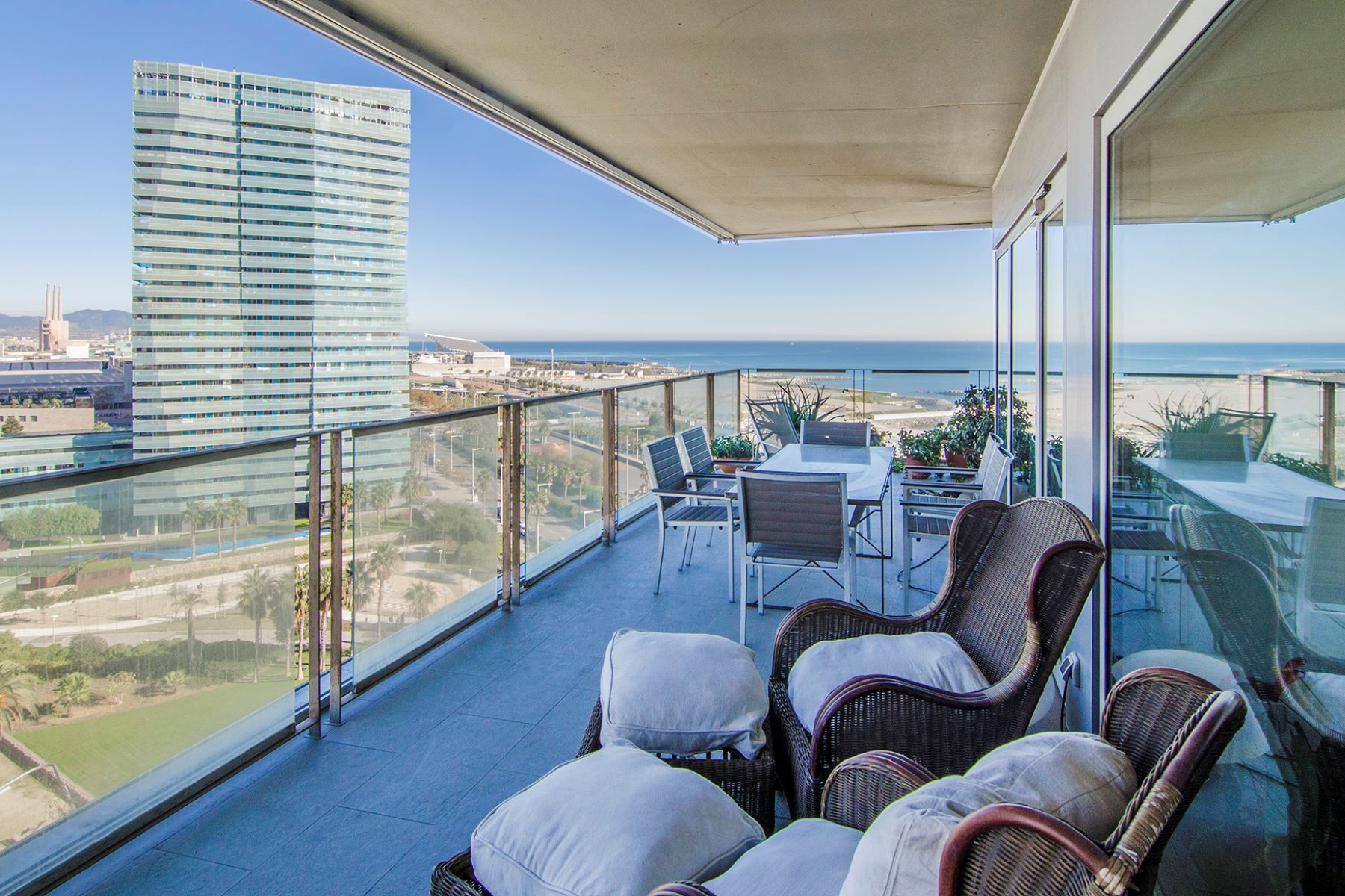 Appartement pour l Vente à Stunning Seafront Apartment in Diagonal Mar, Barcelona Barcelona City, Barcelona, 08019 Espagne