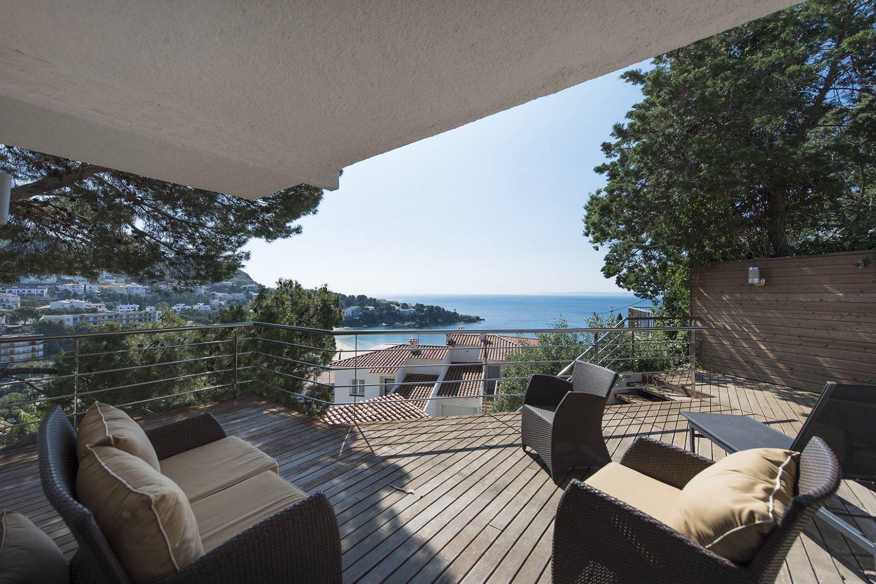 Casa Unifamiliar por un Venta en Pleasant property near Almadrava beach, sea view Roses. Roses, Costa Brava, 17480 España