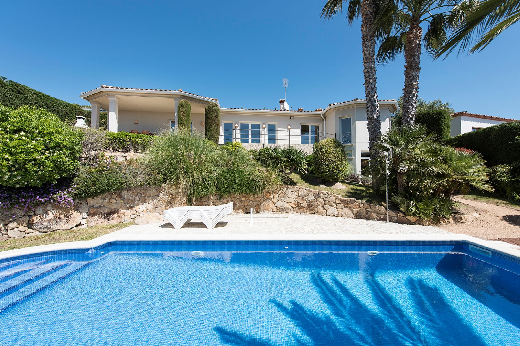 Maison unifamiliale pour l Vente à Bright villa with seaviews Playa De Aro, Costa Brava, 17250 Espagne