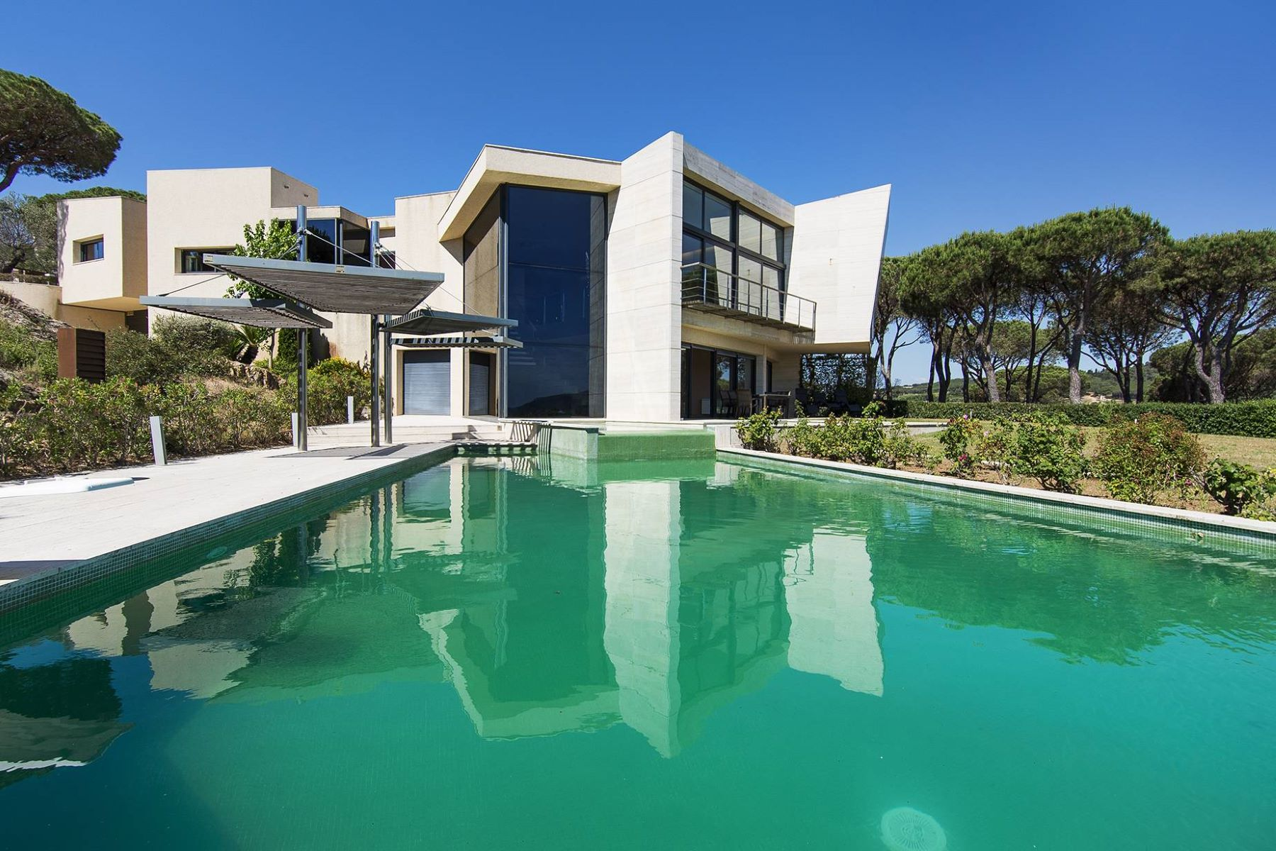 Casa para uma família para Venda às Fantastic villa in a quiet urbanization Sant Feliu De Guixols, Costa Brava, 17220 Espanha