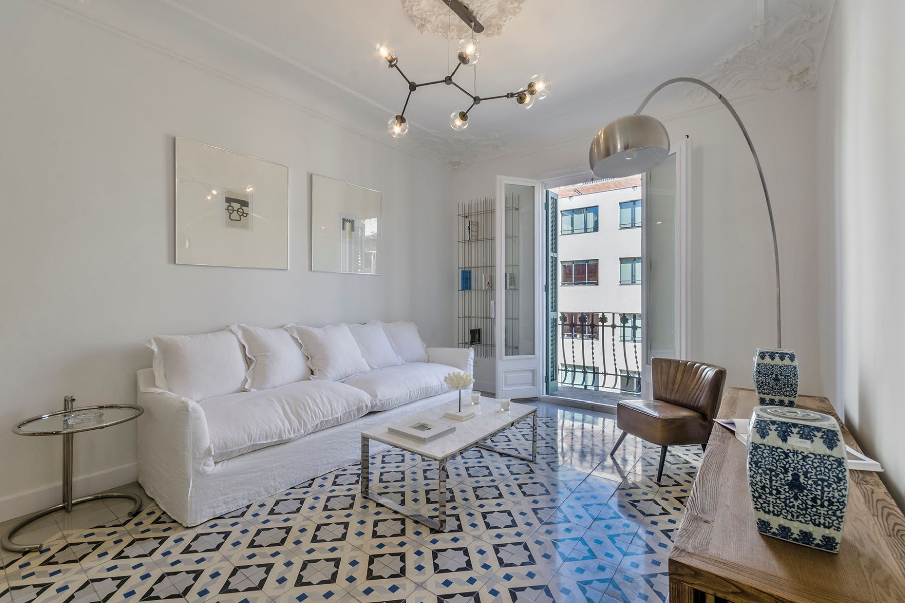 Appartement pour l Vente à Renovated apartment in the Eixample of Barcelona Barcelona City, Barcelona, 08007 Espagne