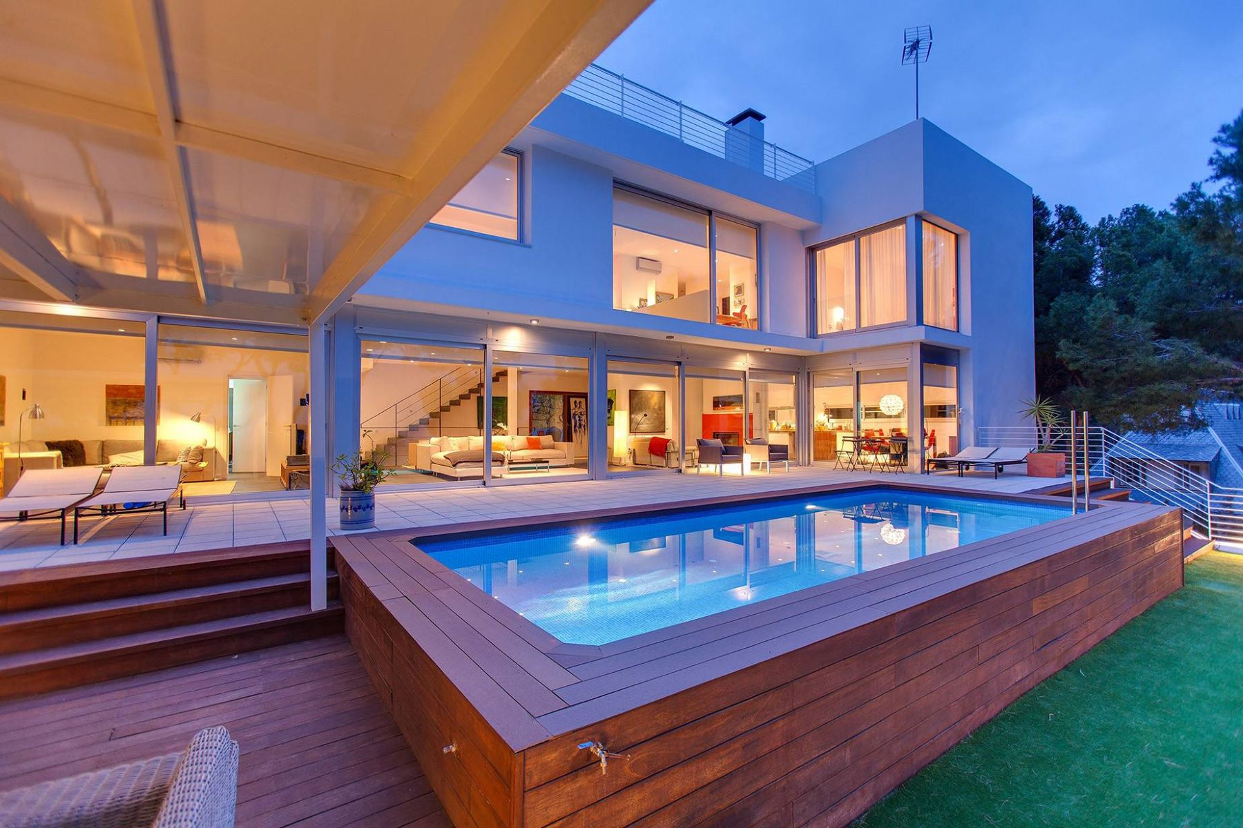 Single Family Home for Sale at A Modern House in Castelldefels Castelldefels, Barcelona, 08866 Spain