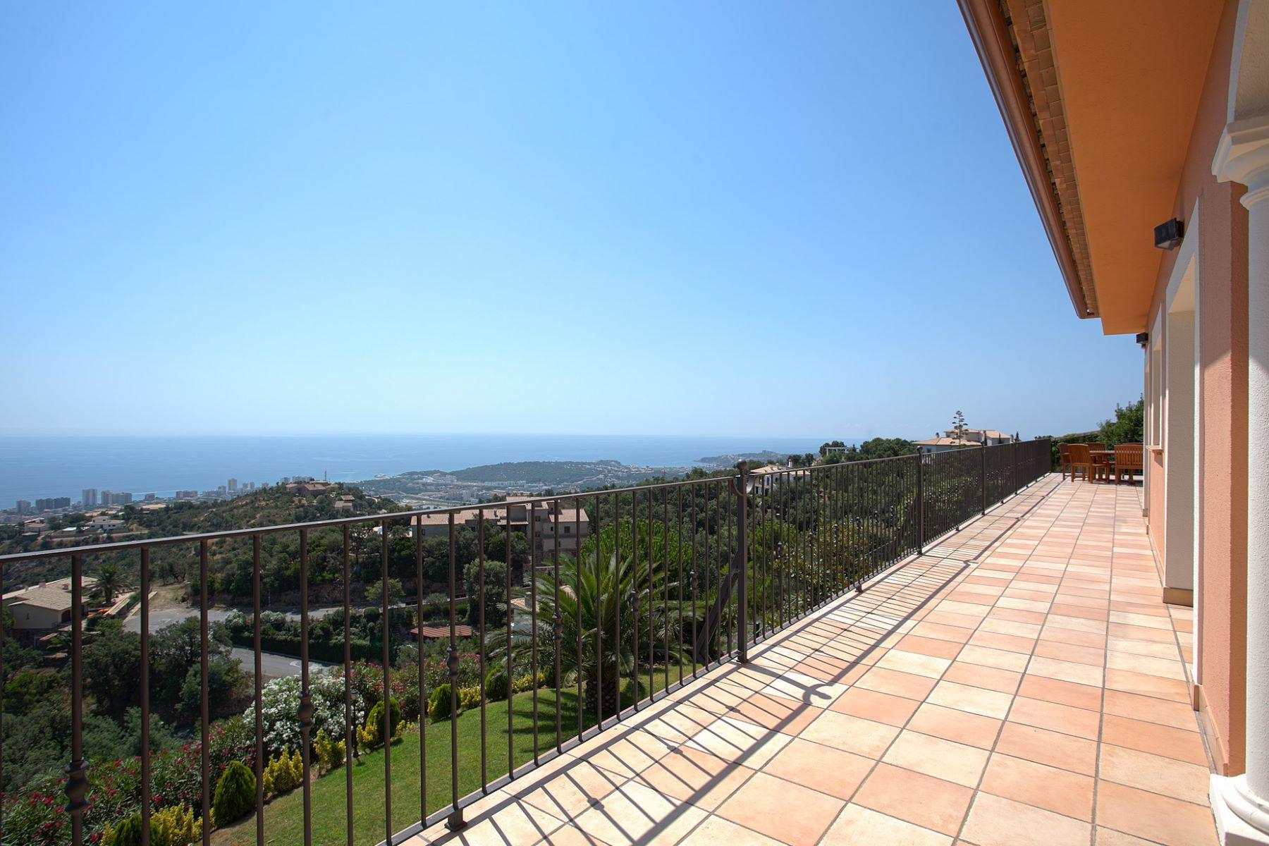 Einfamilienhaus für Verkauf beim Detached house with stunning panoramic views Playa De Aro, Costa Brava, 17250 Spanien