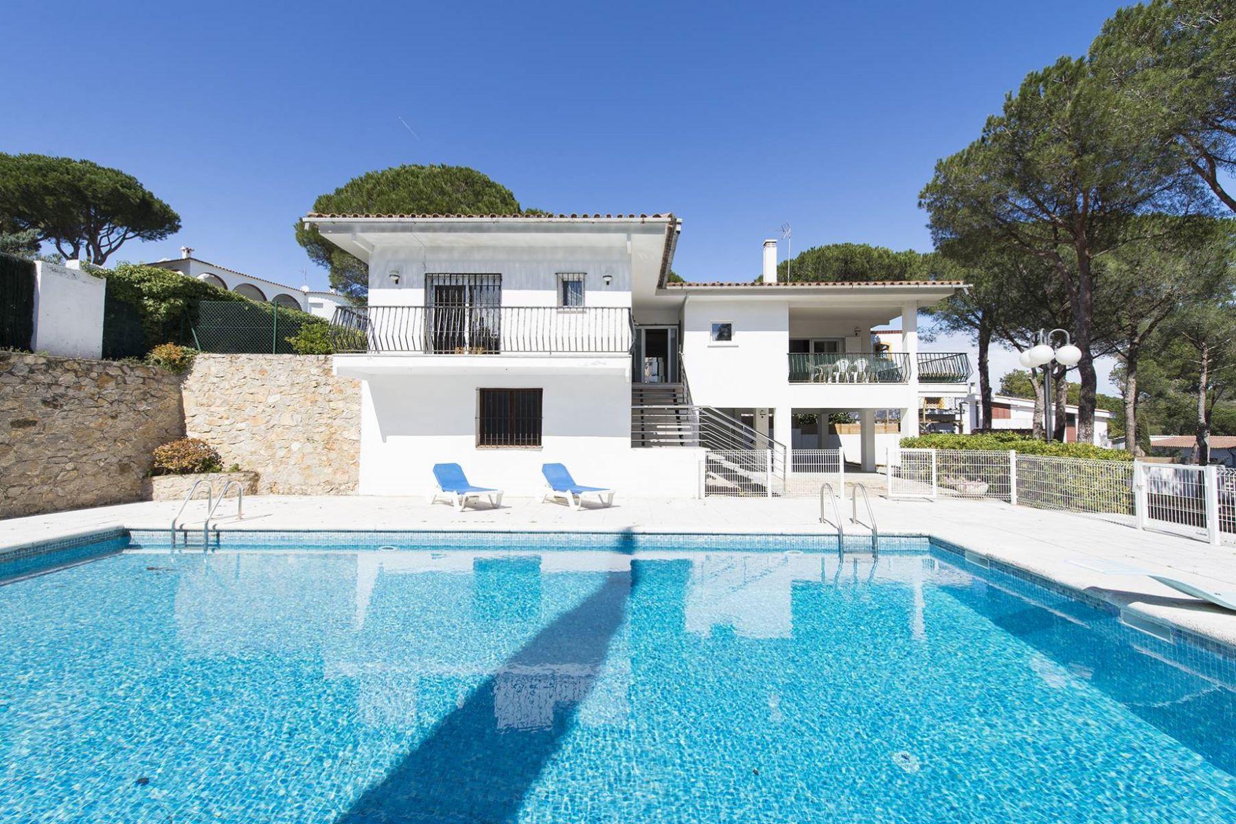 Casa Unifamiliar por un Venta en Nice House in L´Escala with sea views, Cala Montgo L Escala, Costa Brava, 17130 España