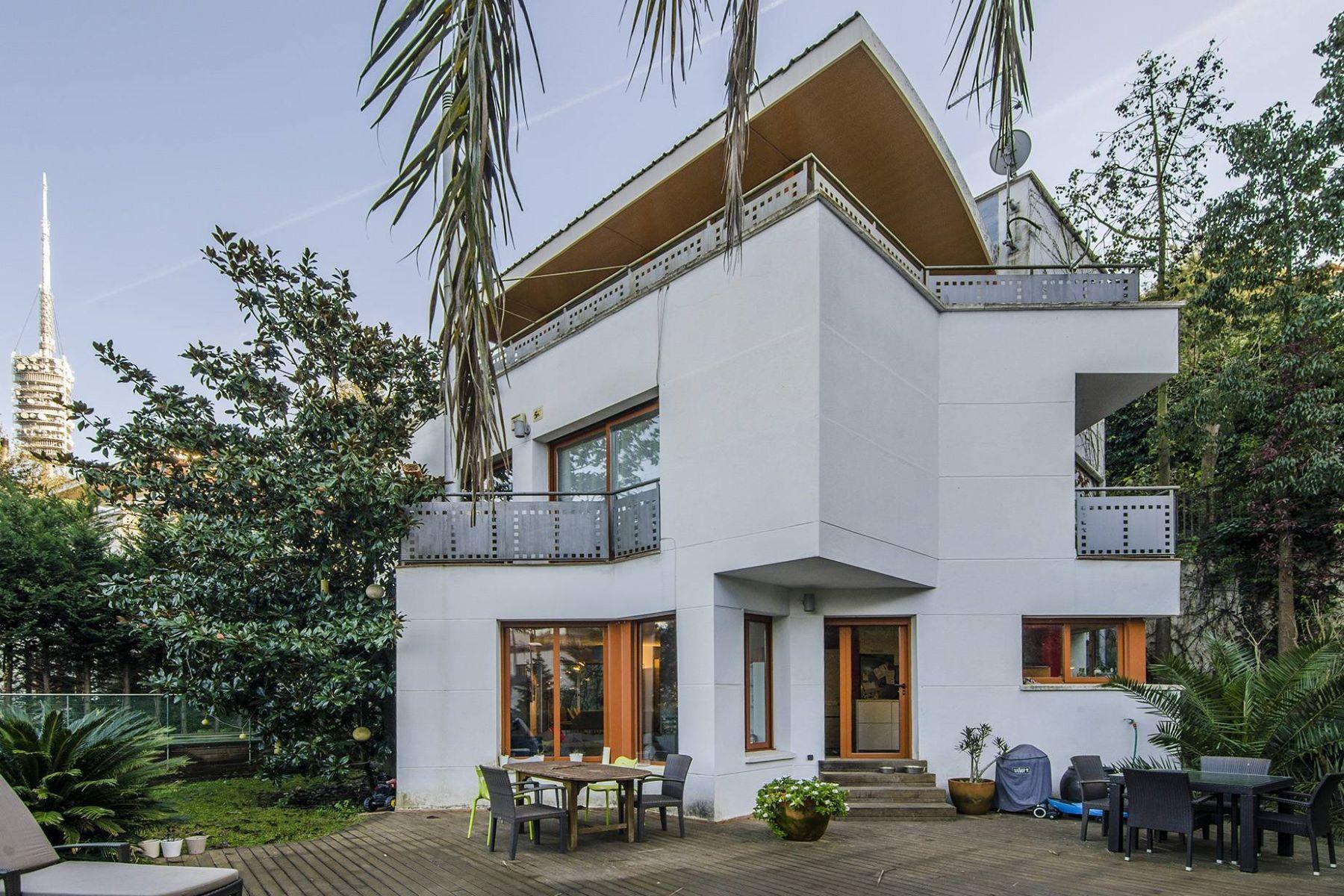 단독 가정 주택 용 매매 에 Single Family House with a Pool in Vallvidrera Barcelona City, Barcelona, 08034 스페인