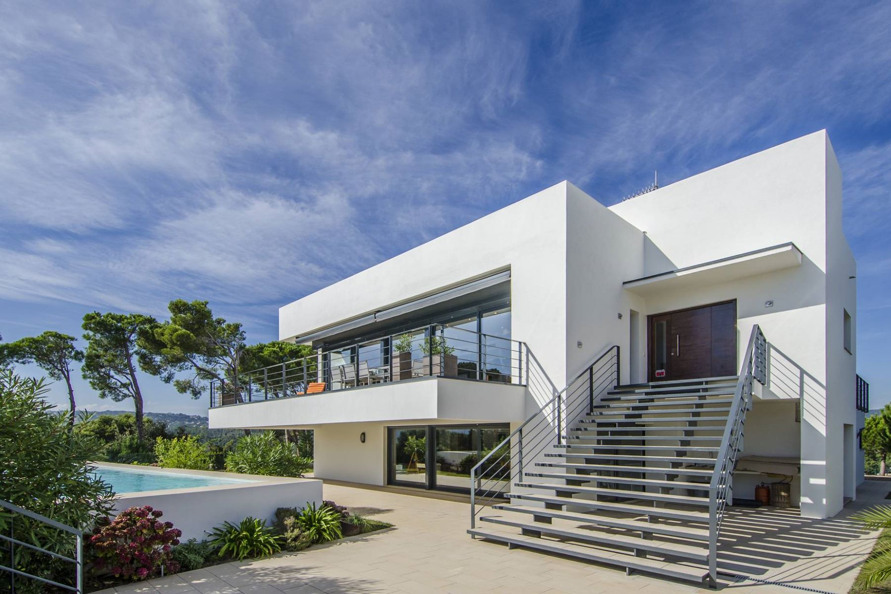 Casa Unifamiliar por un Venta en Excellent newly built villa 700 m from the beach Torrevalentina, Barcelona, 17252 España