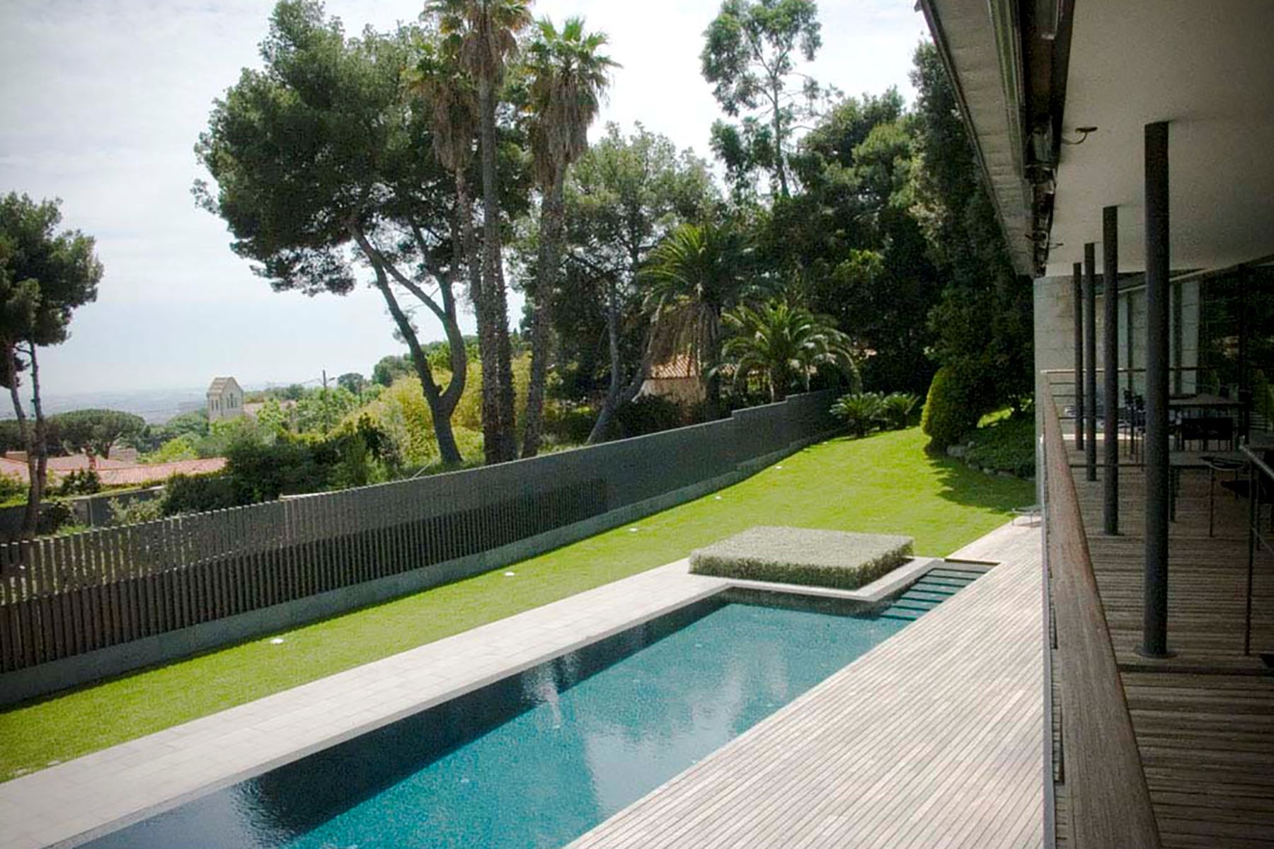 Villa per Vendita alle ore A Stunning Modern House Overlooking the Barcelona City Barcelona City, Barcellona, 08034 Spagna