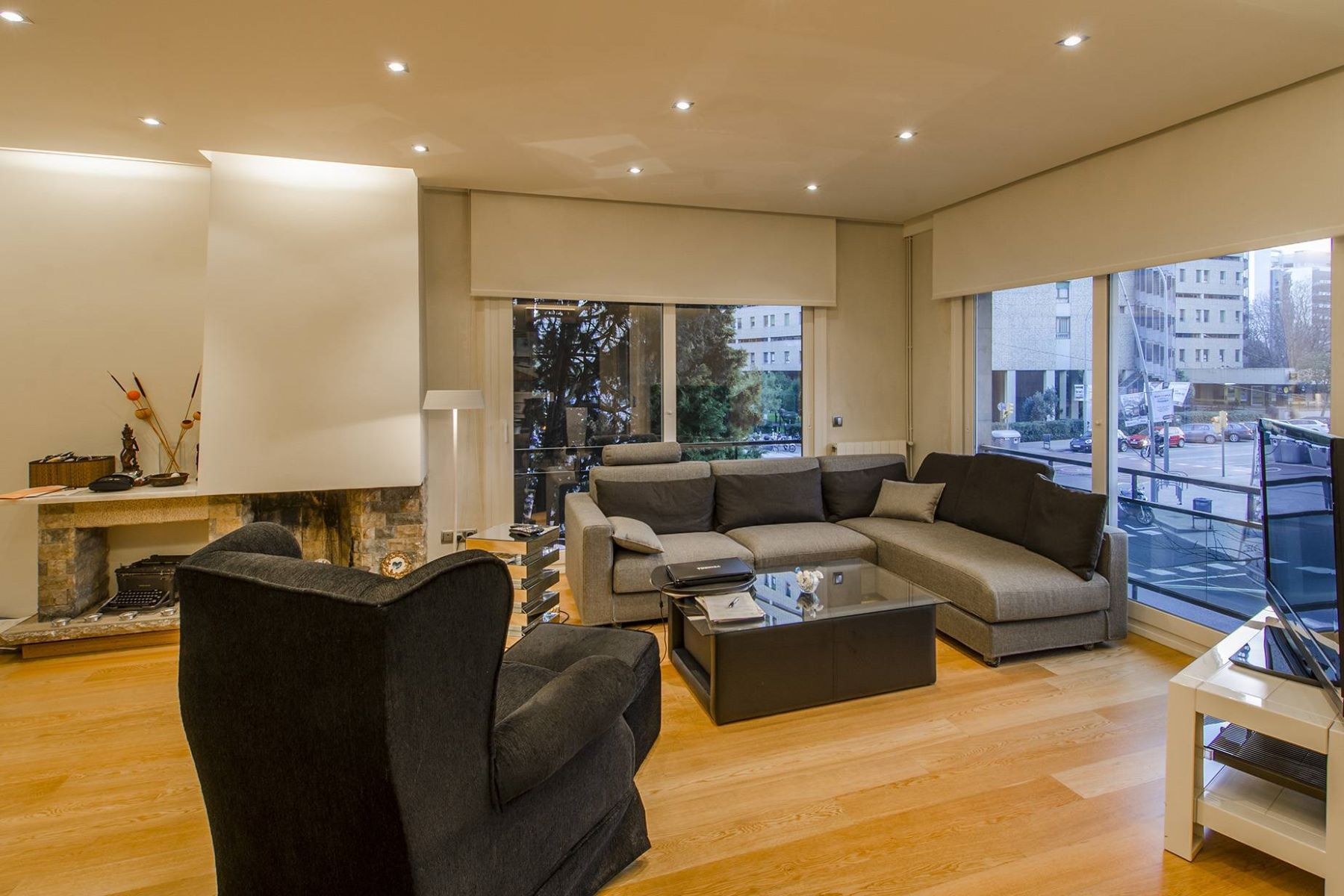 Appartamento per Vendita alle ore Renovated apartment in the area of Turo Park Barcelona City, Barcellona, 08034 Spagna
