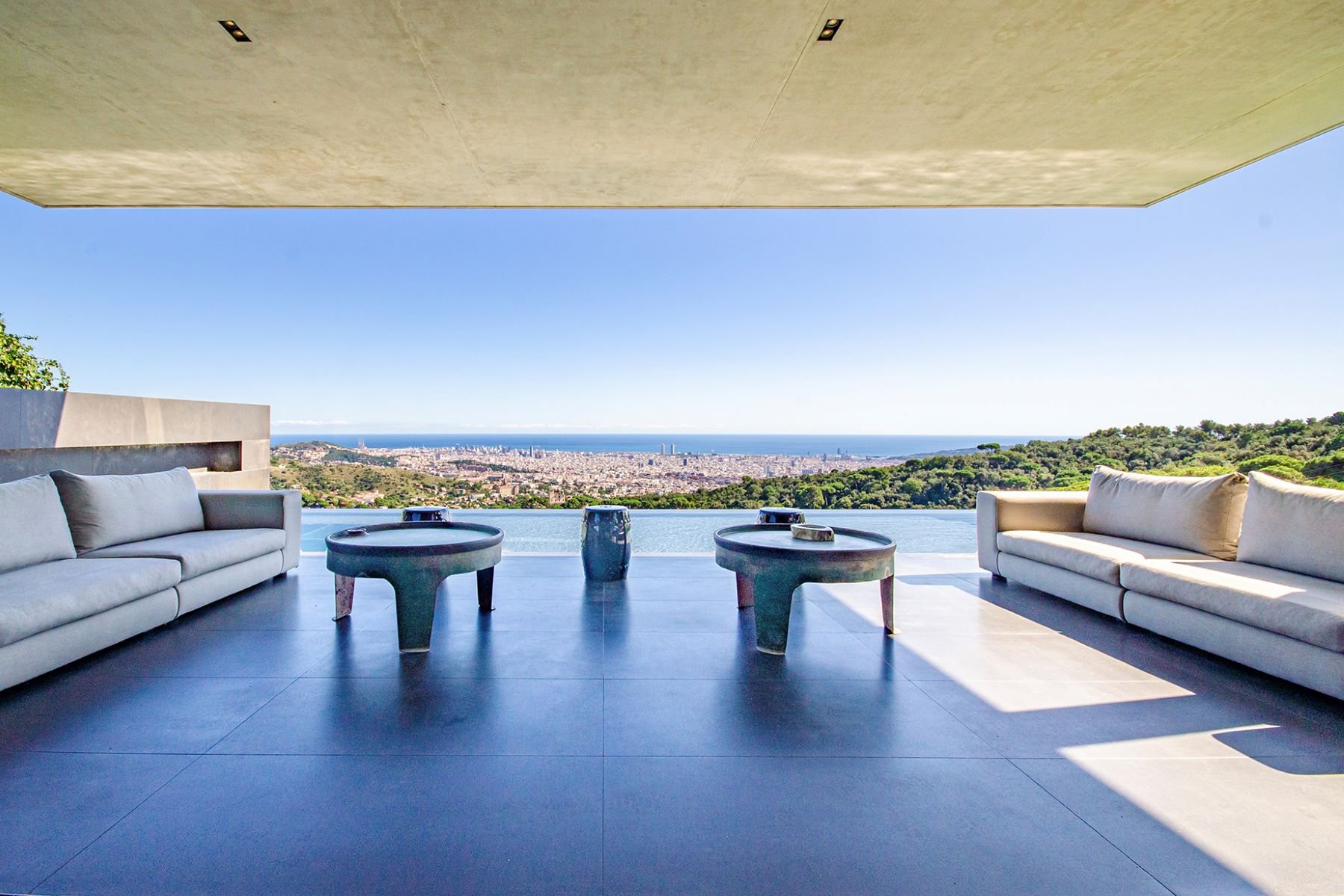 Single Family Homes for Sale at Hollywood style mansion with Barcelona on your doorstep Barcelona City, Barcelona 08034 Spain