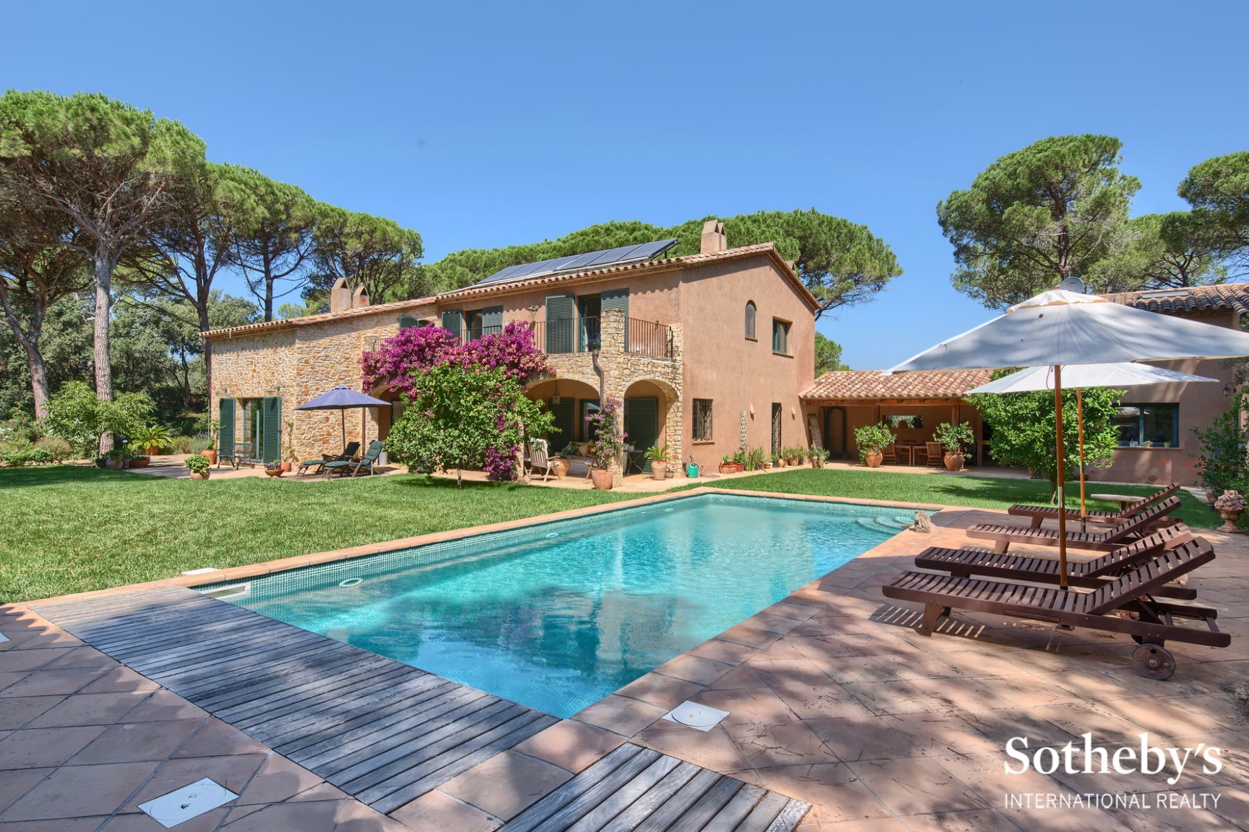 Single Family Home for Sale at Country house between the pretty village of Pals and the beach Pals, Costa Brava, 17256 Spain