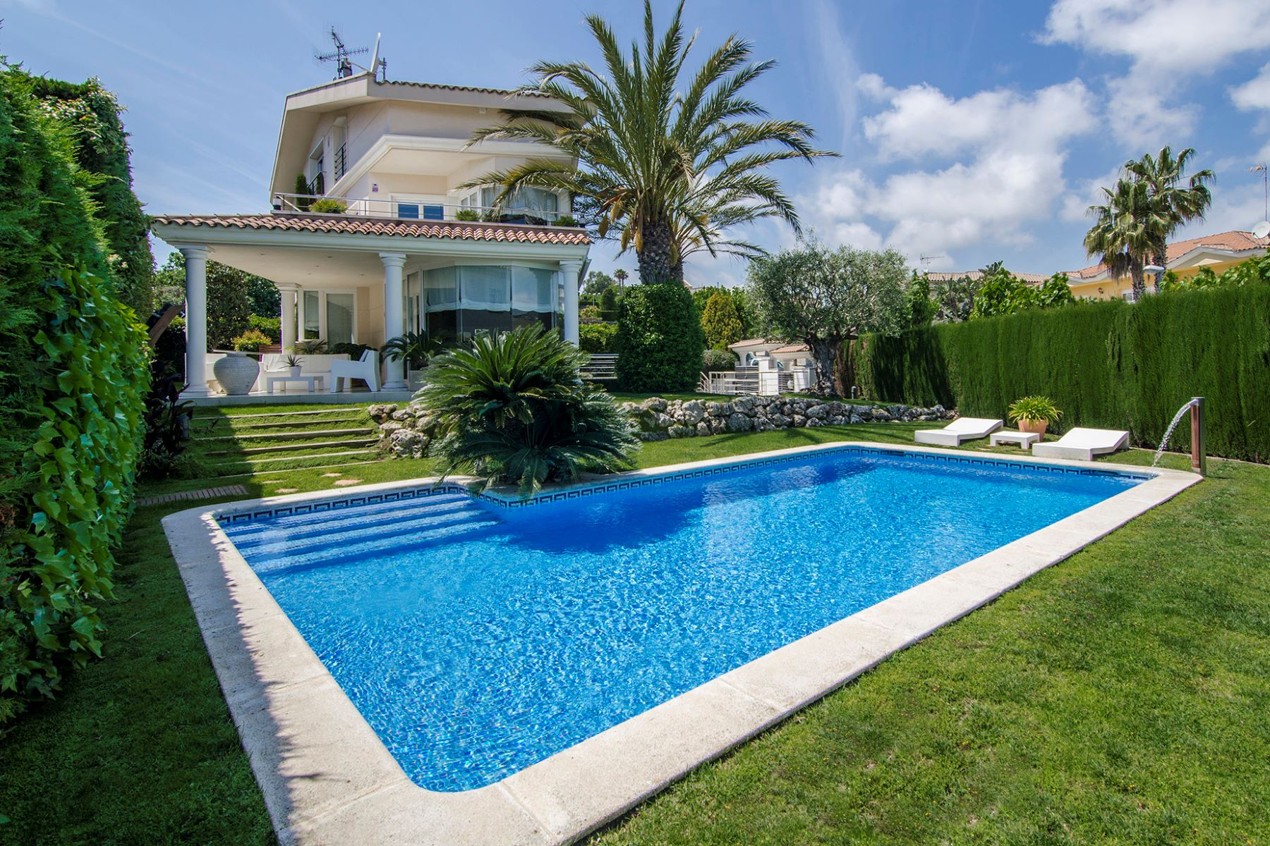 Single Family Home for Sale at Luxury, design and functionality in Alella Alella, Barcelona, 08328 Spain
