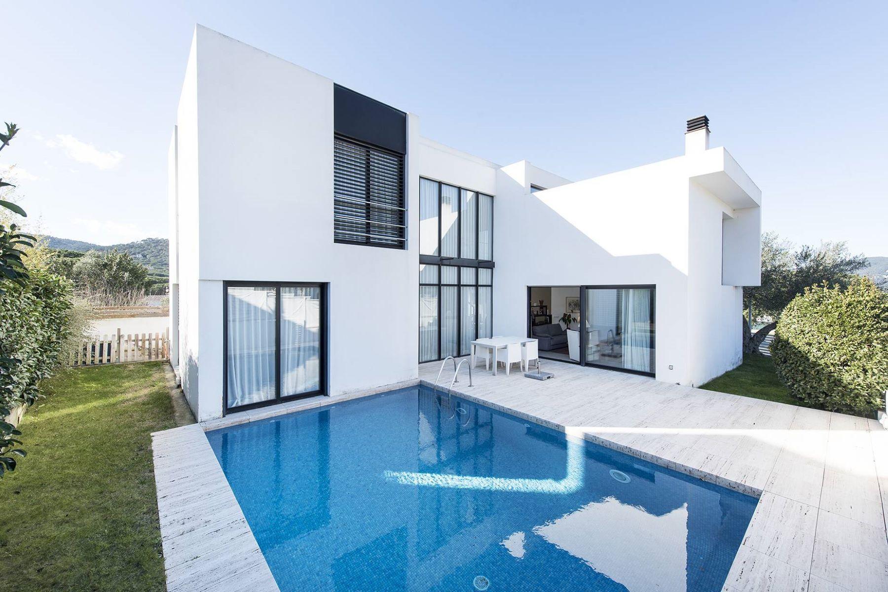 Tek Ailelik Ev için Satış at Splendid designer villa in a quiet estate of Sant Feliu de Guíxols Sant Feliu De Guixols, Costa Brava, 17220 Ispanya