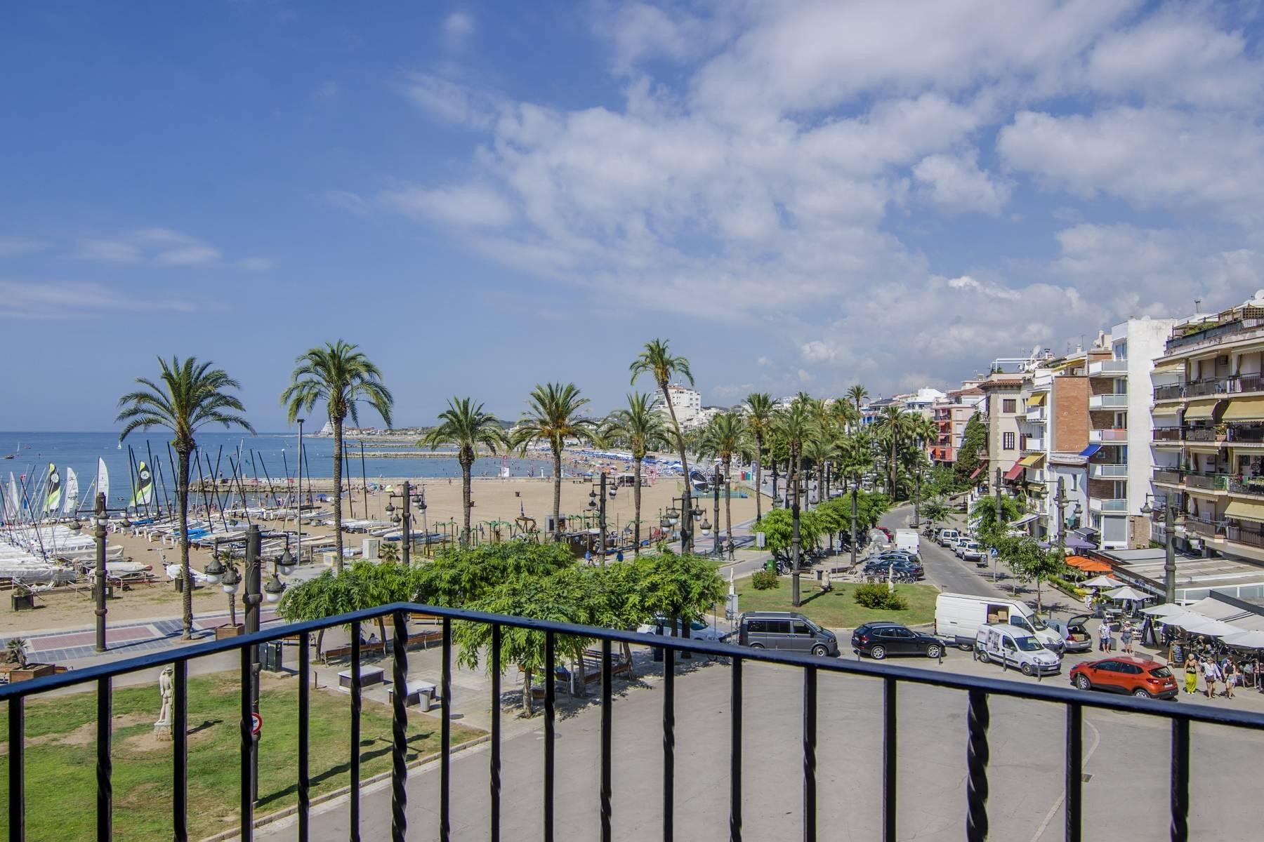 アパート のために 売買 アット Exquisite Seafront Apartment in Sitges Sitges, Barcelona, 08870 スペイン