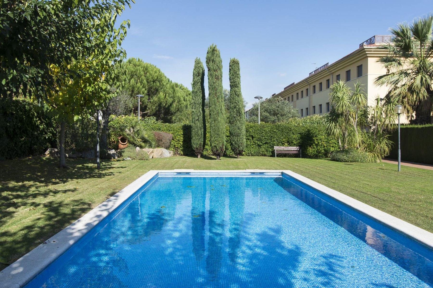 Apartamento para Venda às Elegant apartment a few metres from the beach of Sant Pol S'Agaro, Costa Brava, 17248 Espanha