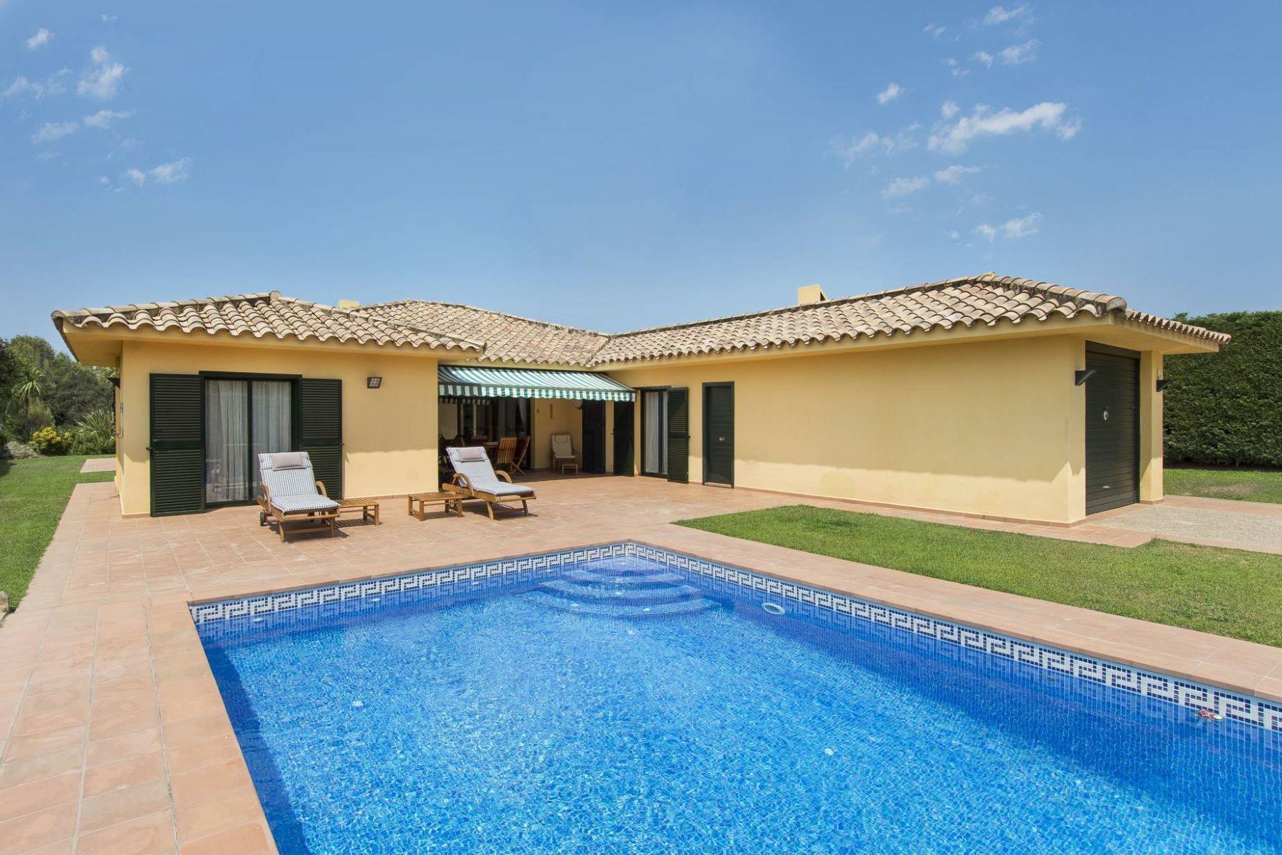 واحد منزل الأسرة للـ Sale في Beautiful House in Torremirona Golf Club Resort Other Cities Alt Emporda, Barcelona, 17600 Spain