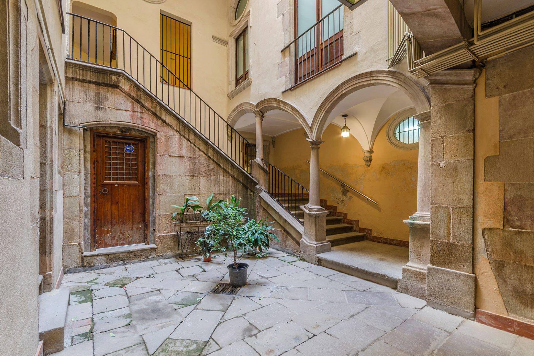 公寓 為 出售 在 Wonderful apartment in XVI century building in the Borne of Barcelona Barcelona City, Barcelona, 08002 西班牙