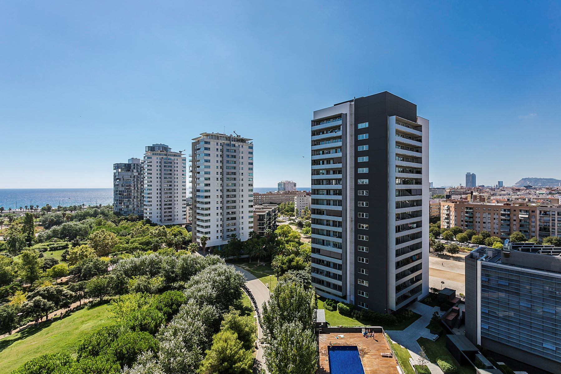 Apartment for Sale at Elegant apartment with sea views Barcelona City, Barcelona, 08019 Spain