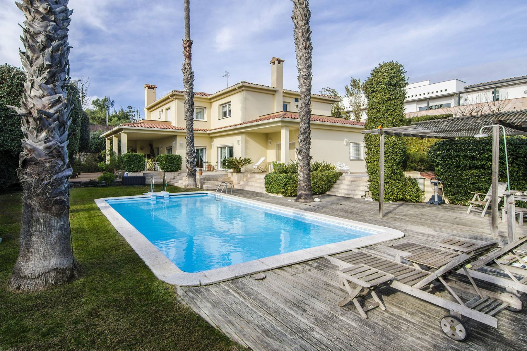 Single Family Home for Sale at A Cozy Luxury Property in Two Steps From the Sea, Can Teixido Alella, Barcelona, 08328 Spain